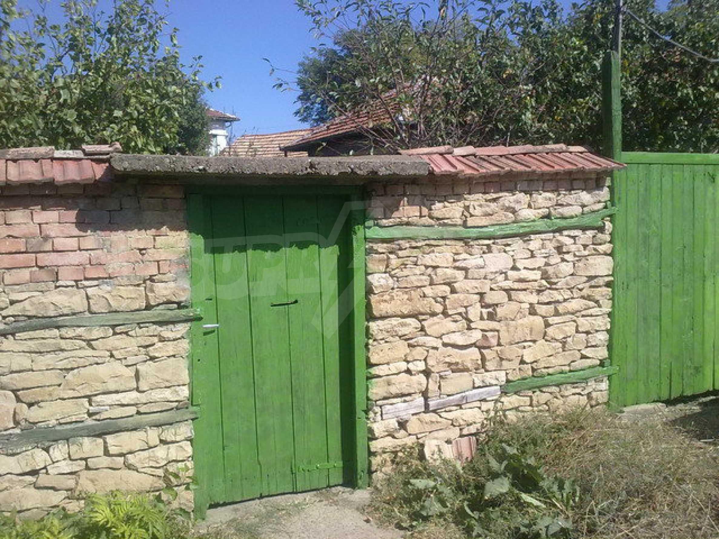 Прекрасный дом в большой деревне 7