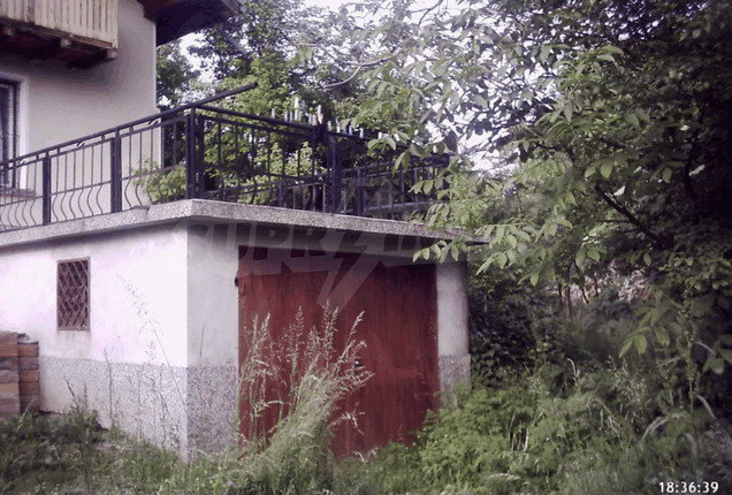 Nice, solid built villa near Veliko Tarnovo  26