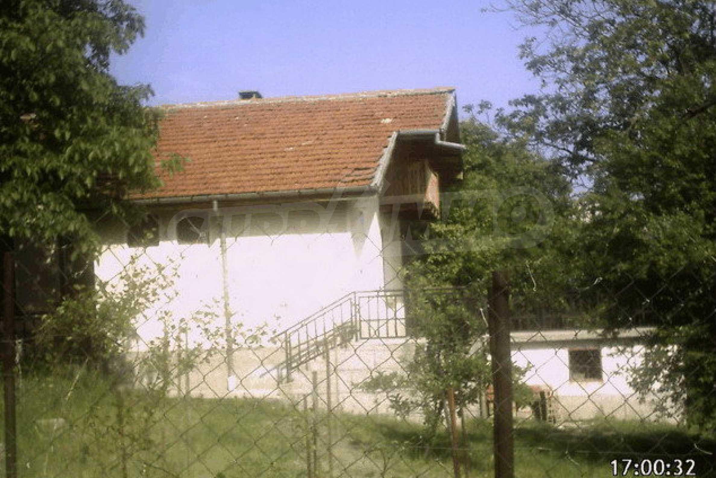 Nice, solid built villa near Veliko Tarnovo  32