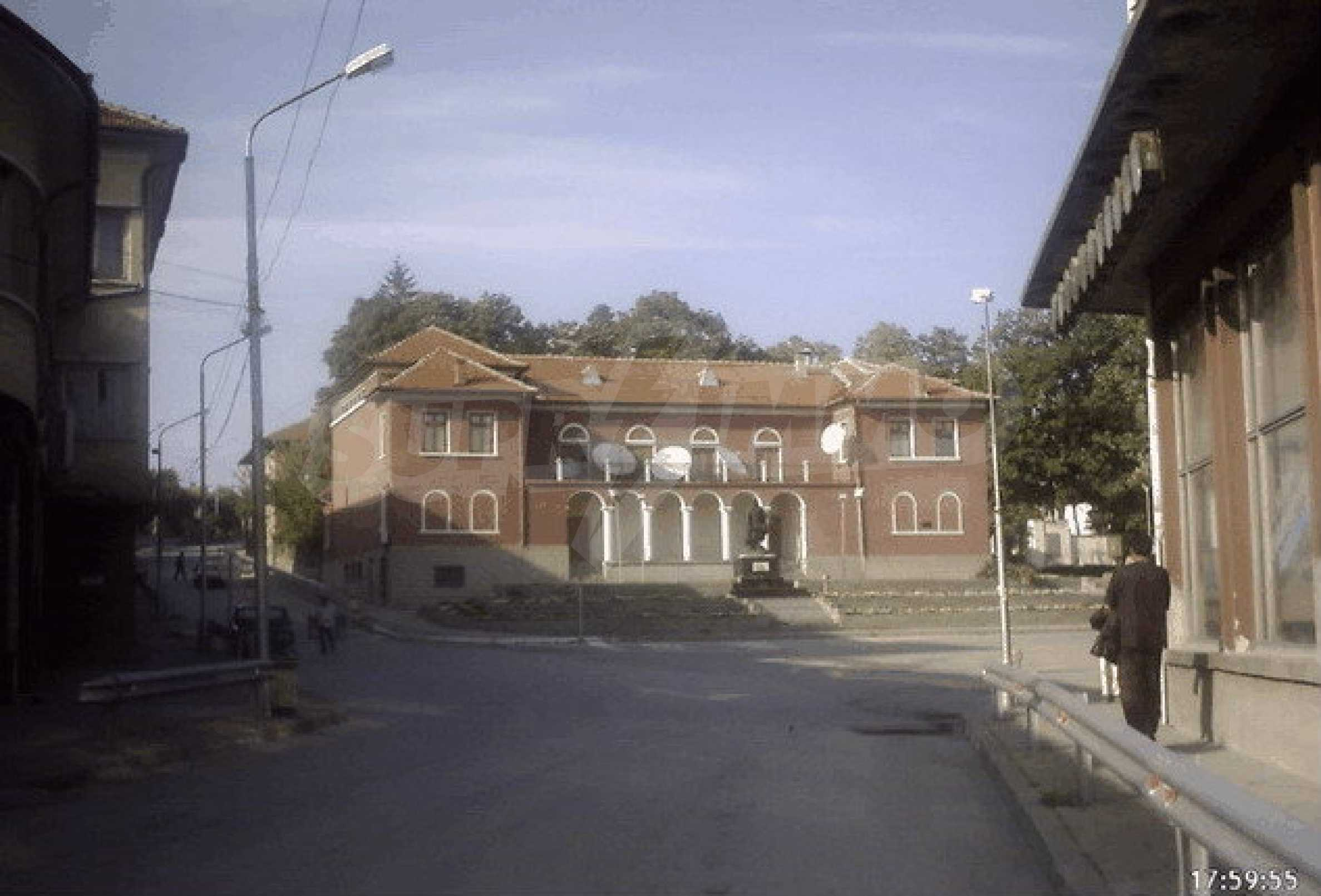 Nice, solid built villa near Veliko Tarnovo  34