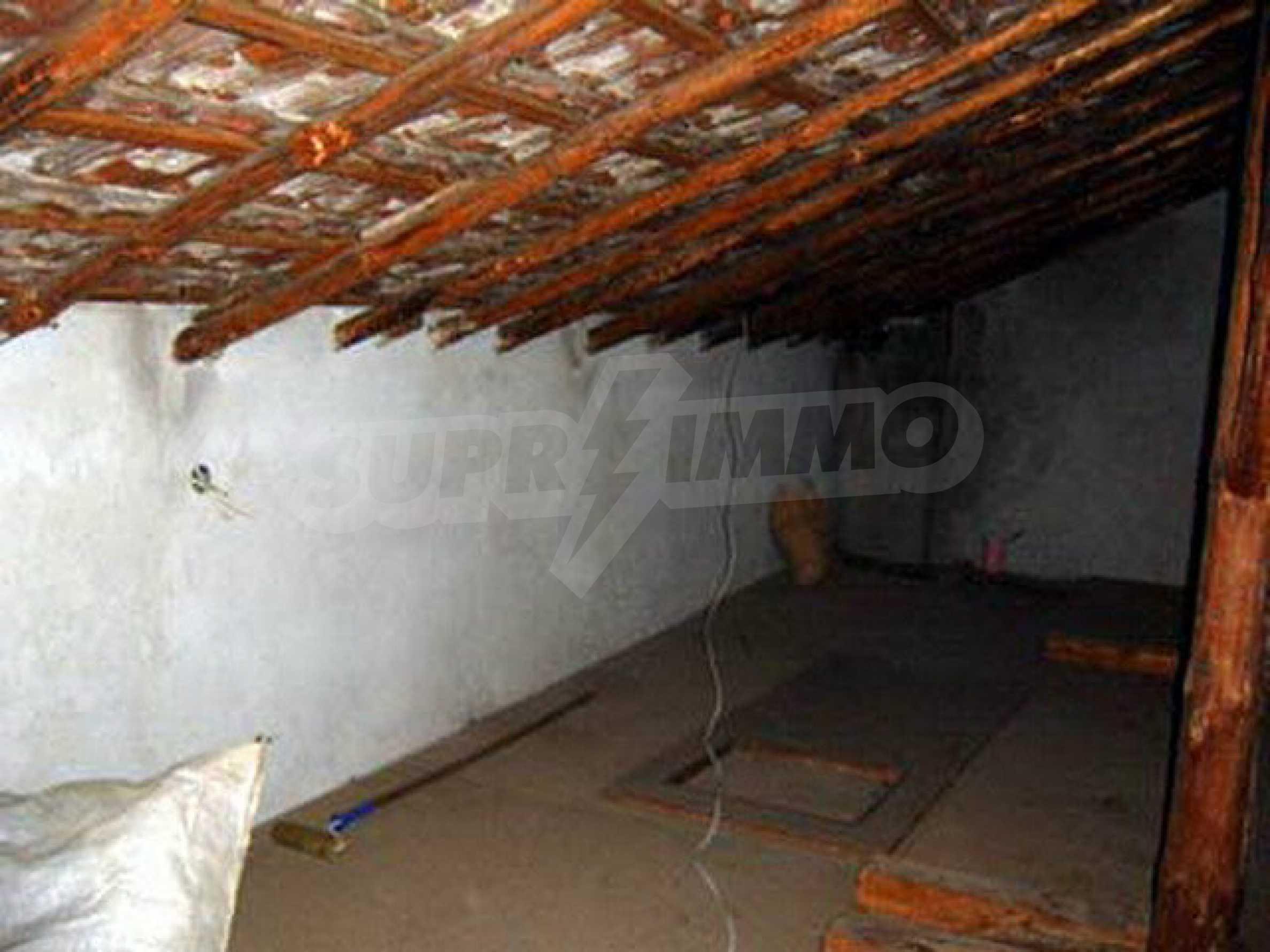 Nice, solid built villa near Veliko Tarnovo  36