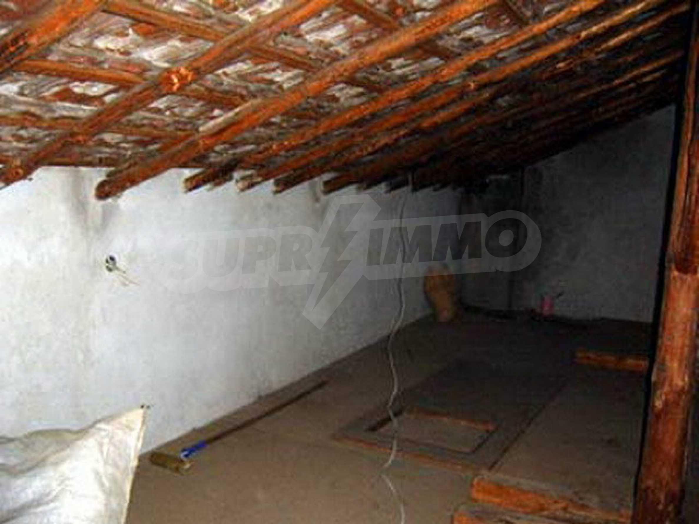 Nice, solid built villa near Veliko Tarnovo  4