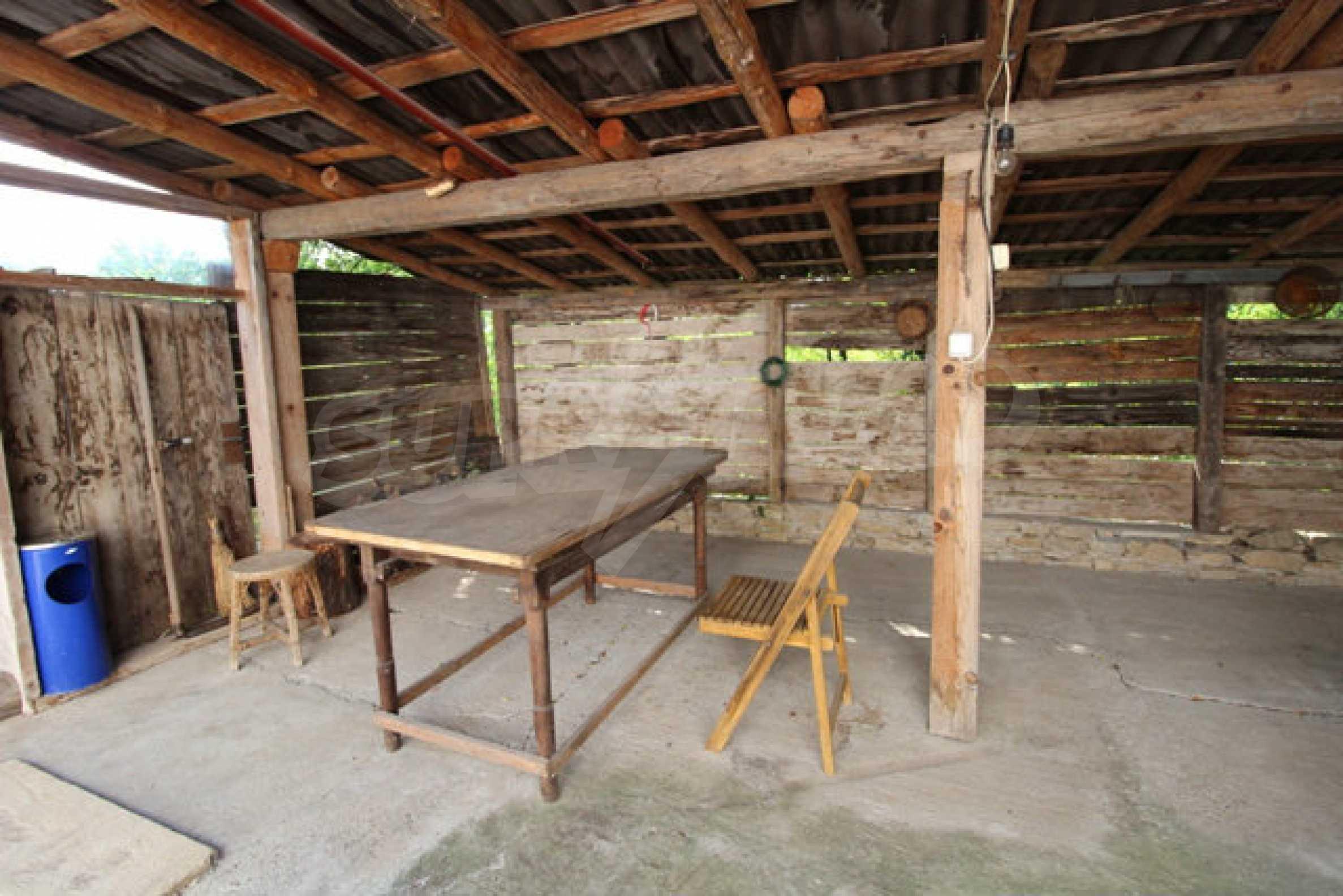 Neugebautes Haus im traditionellen bulgarischen Stil 13