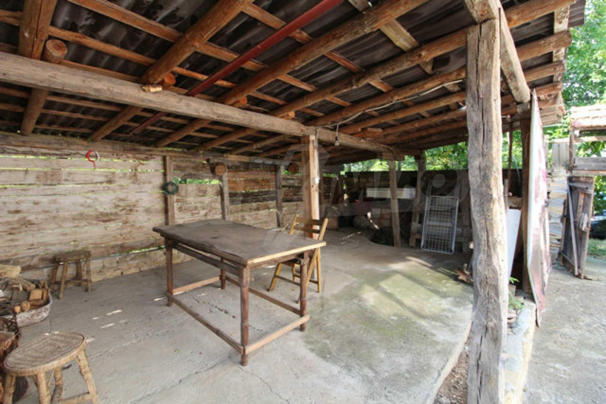 Neugebautes Haus im traditionellen bulgarischen Stil 14
