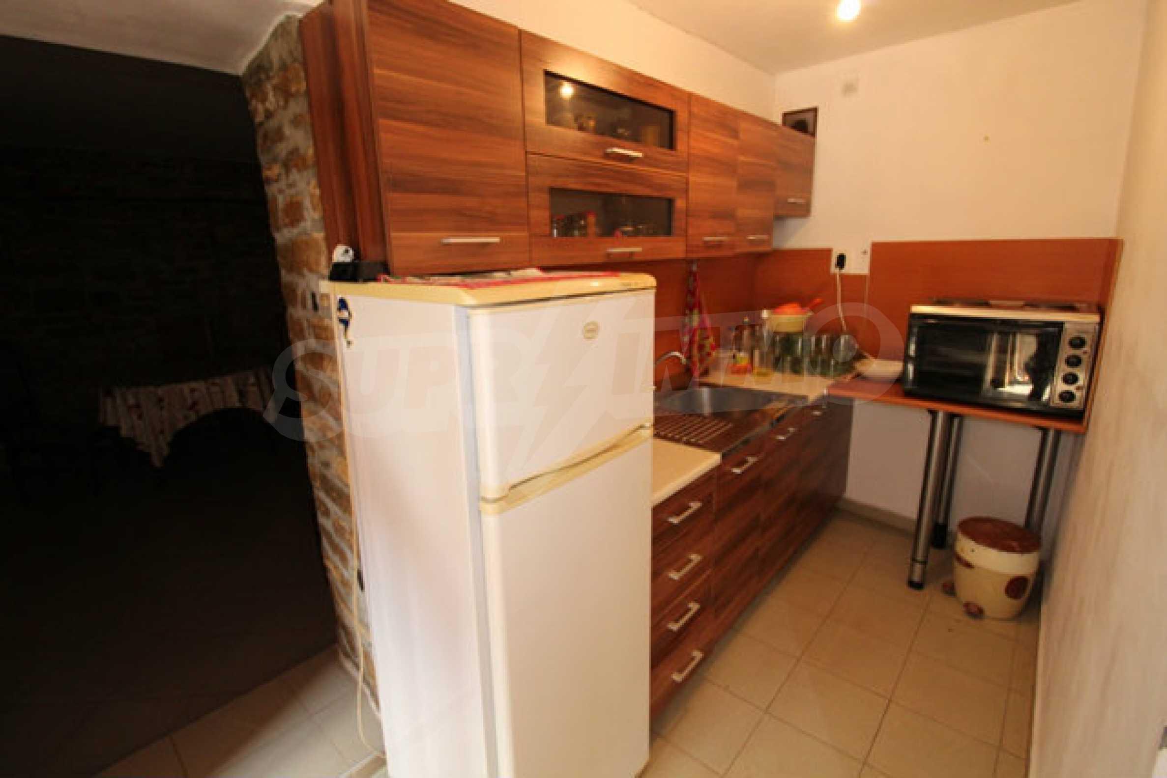 Neugebautes Haus im traditionellen bulgarischen Stil 17