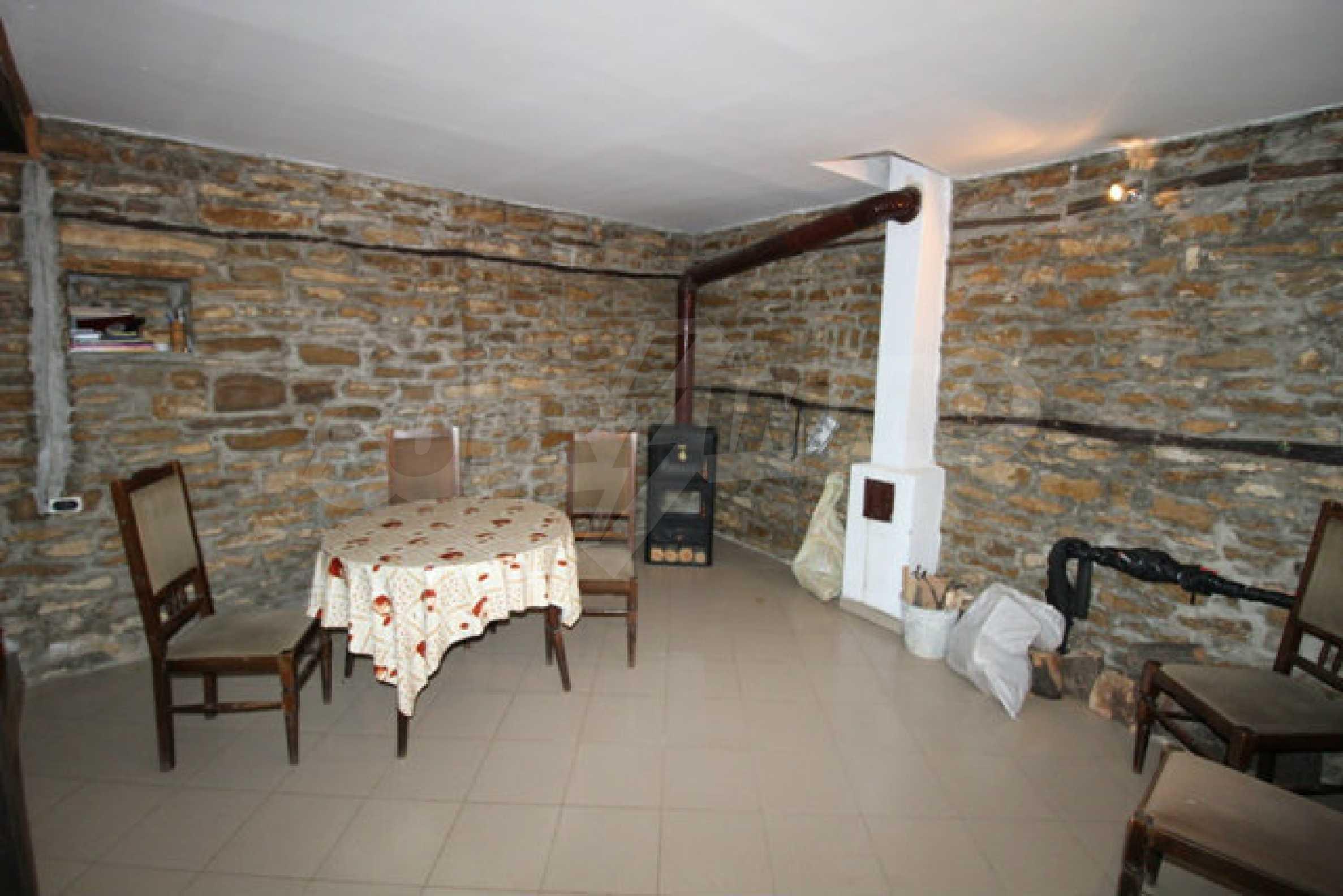 Neugebautes Haus im traditionellen bulgarischen Stil 18