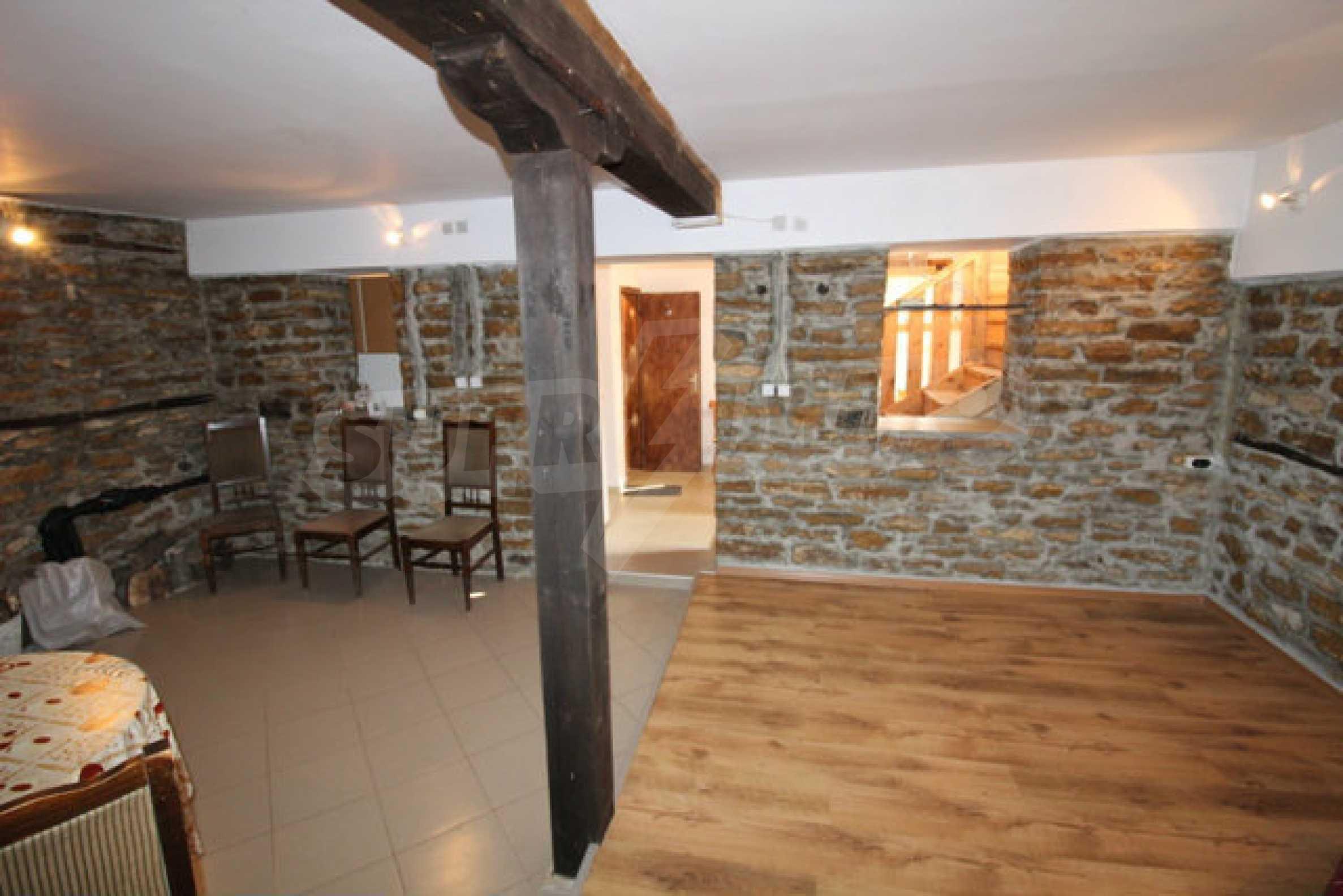 Neugebautes Haus im traditionellen bulgarischen Stil 22