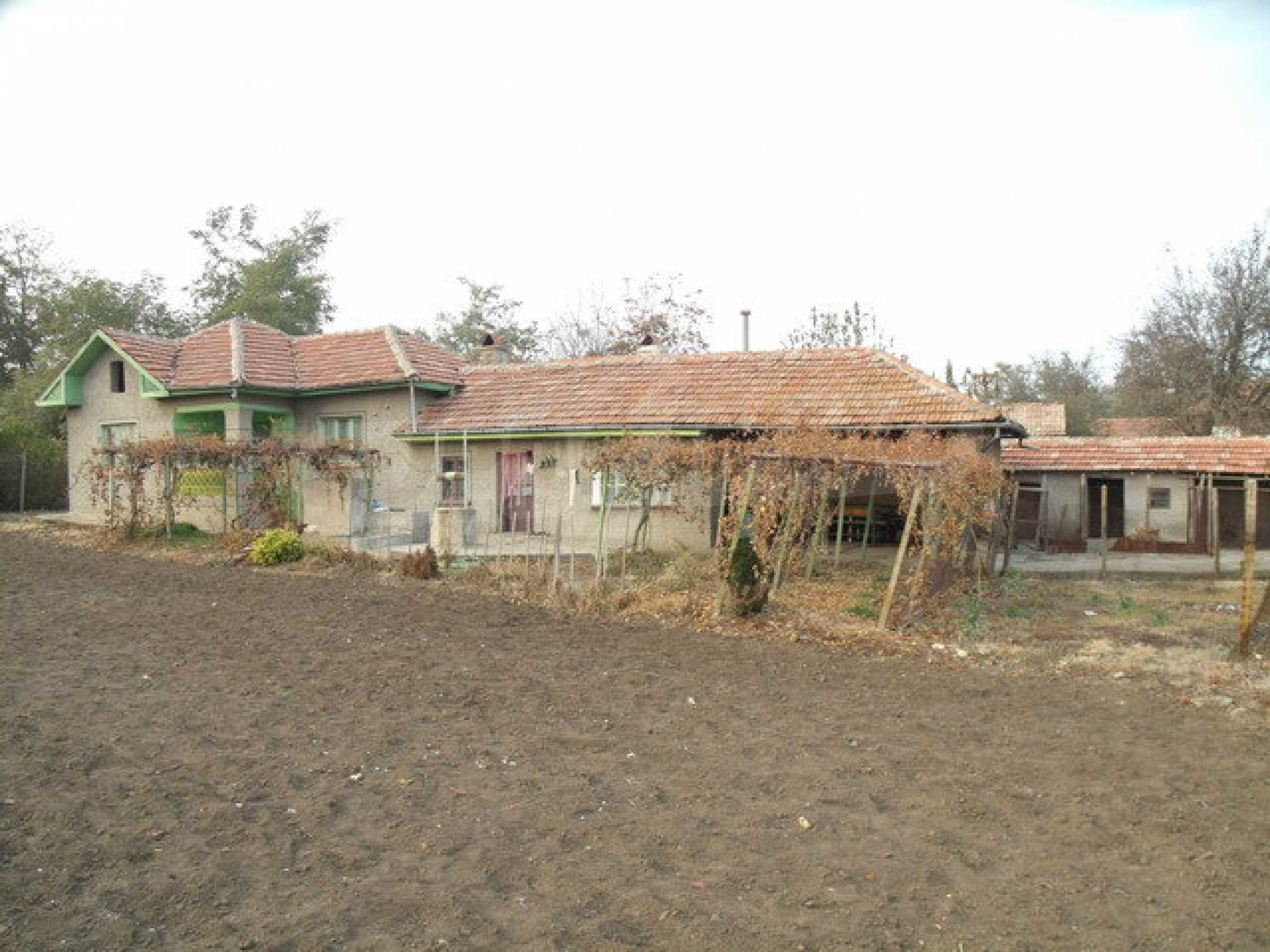 House with spacious garden in a well developed village near Pavlikeni