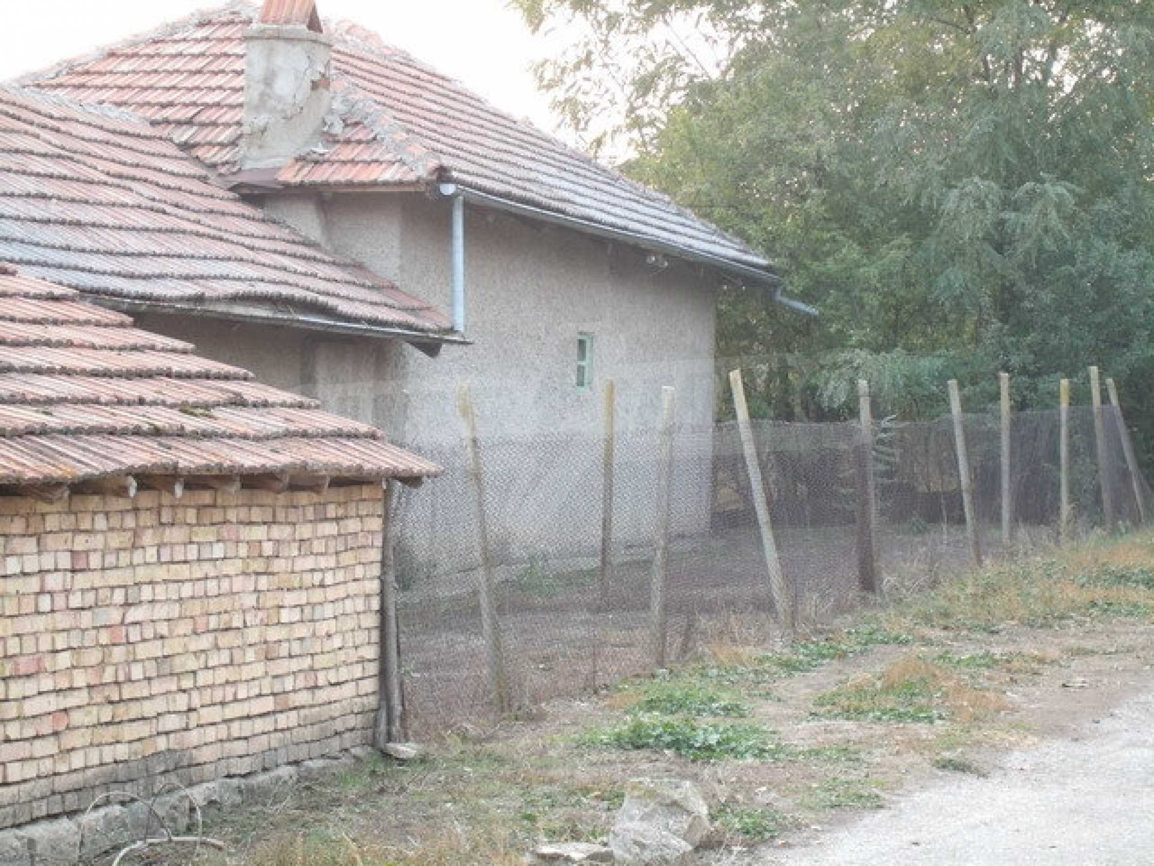 House with spacious garden in a well developed village near Pavlikeni 20