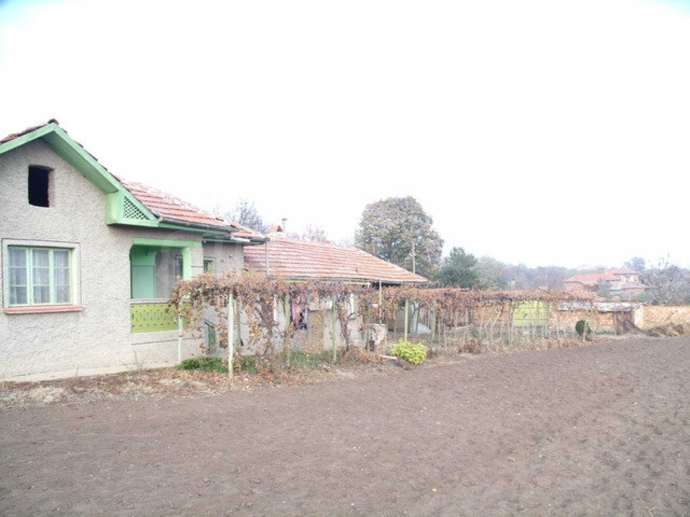 House with spacious garden in a well developed village near Pavlikeni 4