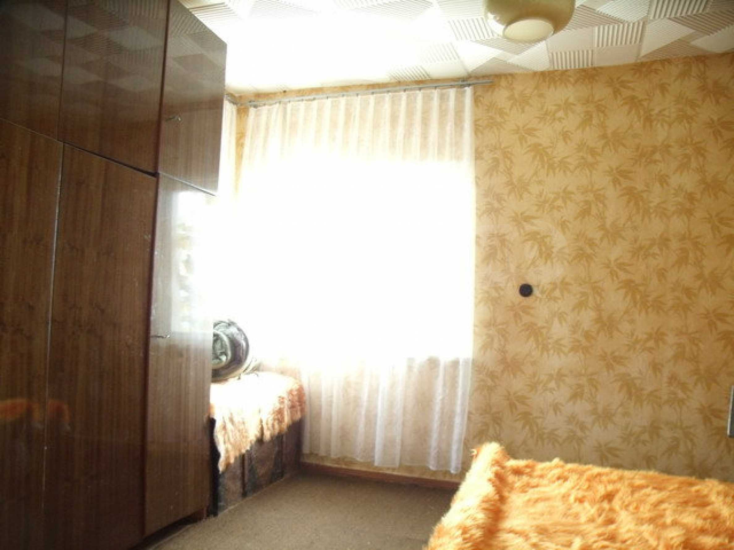 House in a small town, 15 km. from the old capital of Veliko Tarnovo 16