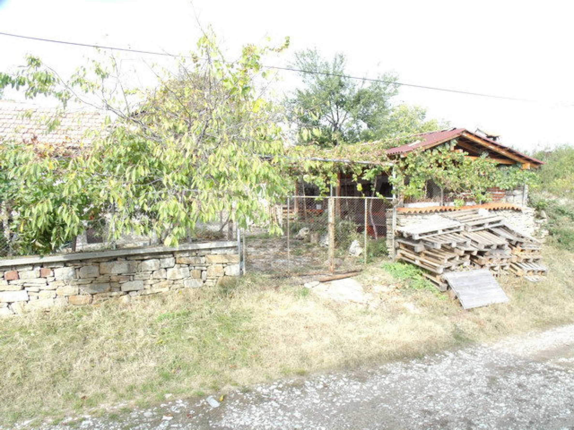 House in a small town, 15 km. from the old capital of Veliko Tarnovo 1