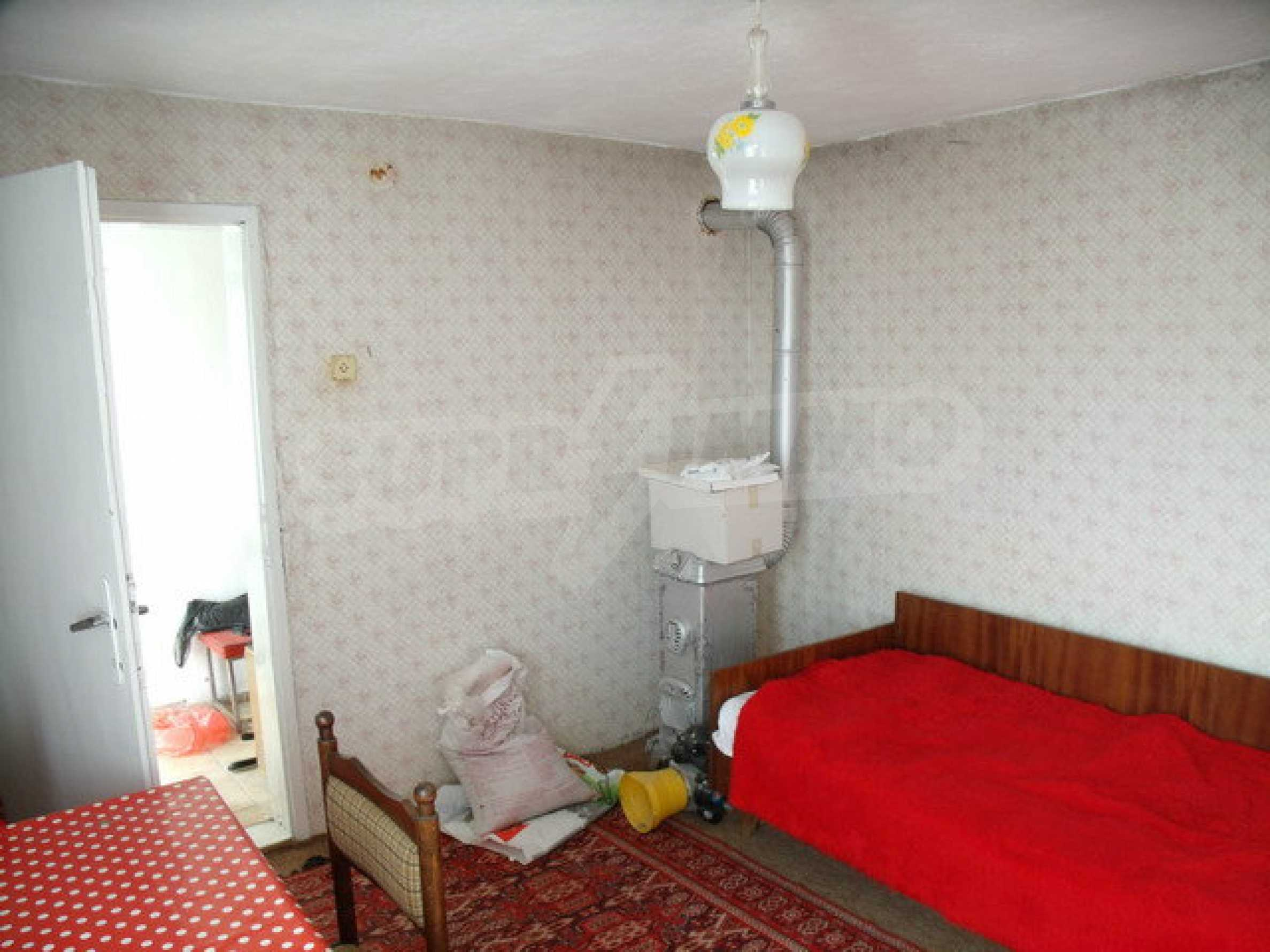 House in a small town, 15 km. from the old capital of Veliko Tarnovo 23