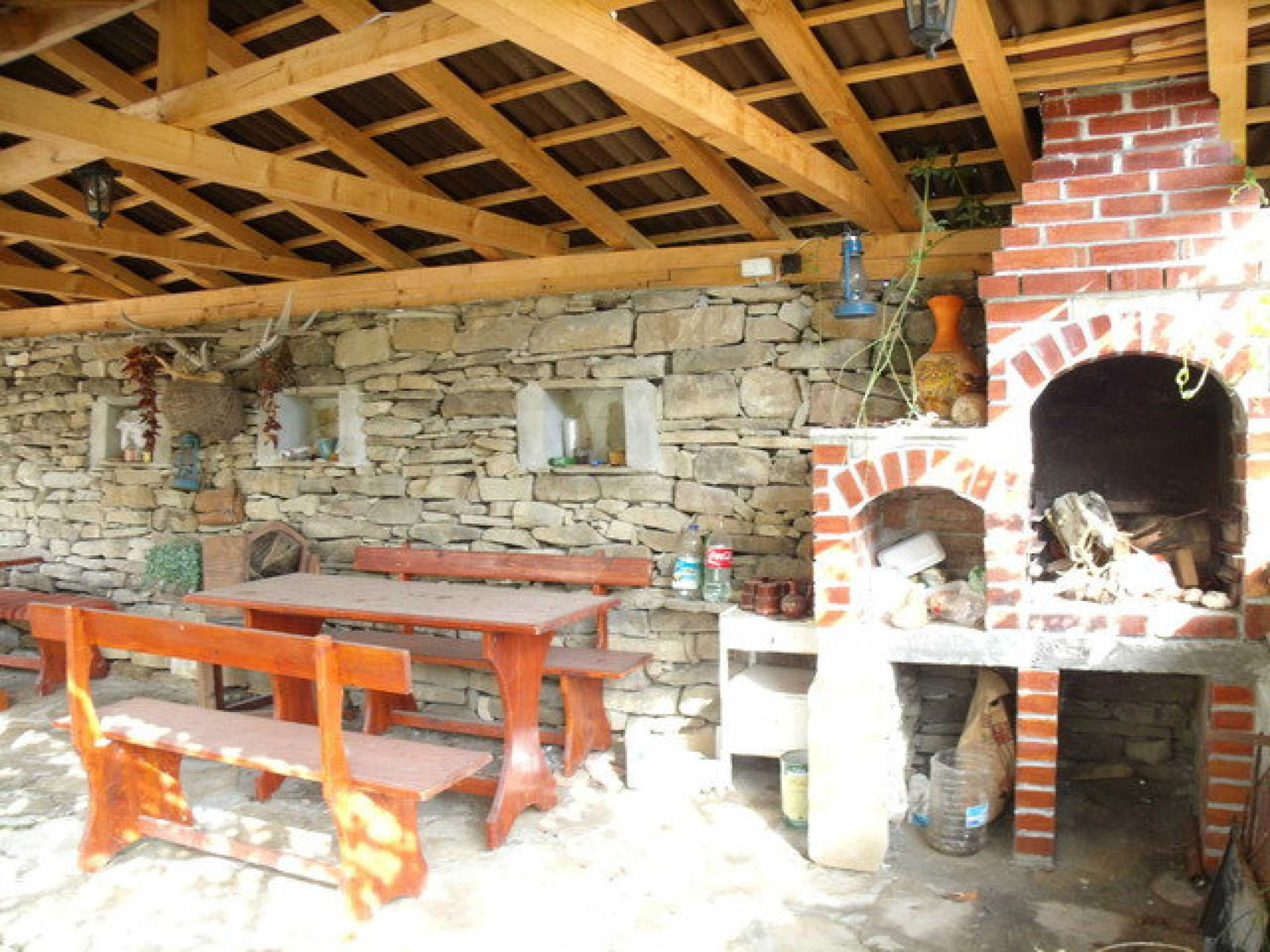 House in a small town, 15 km. from the old capital of Veliko Tarnovo 25