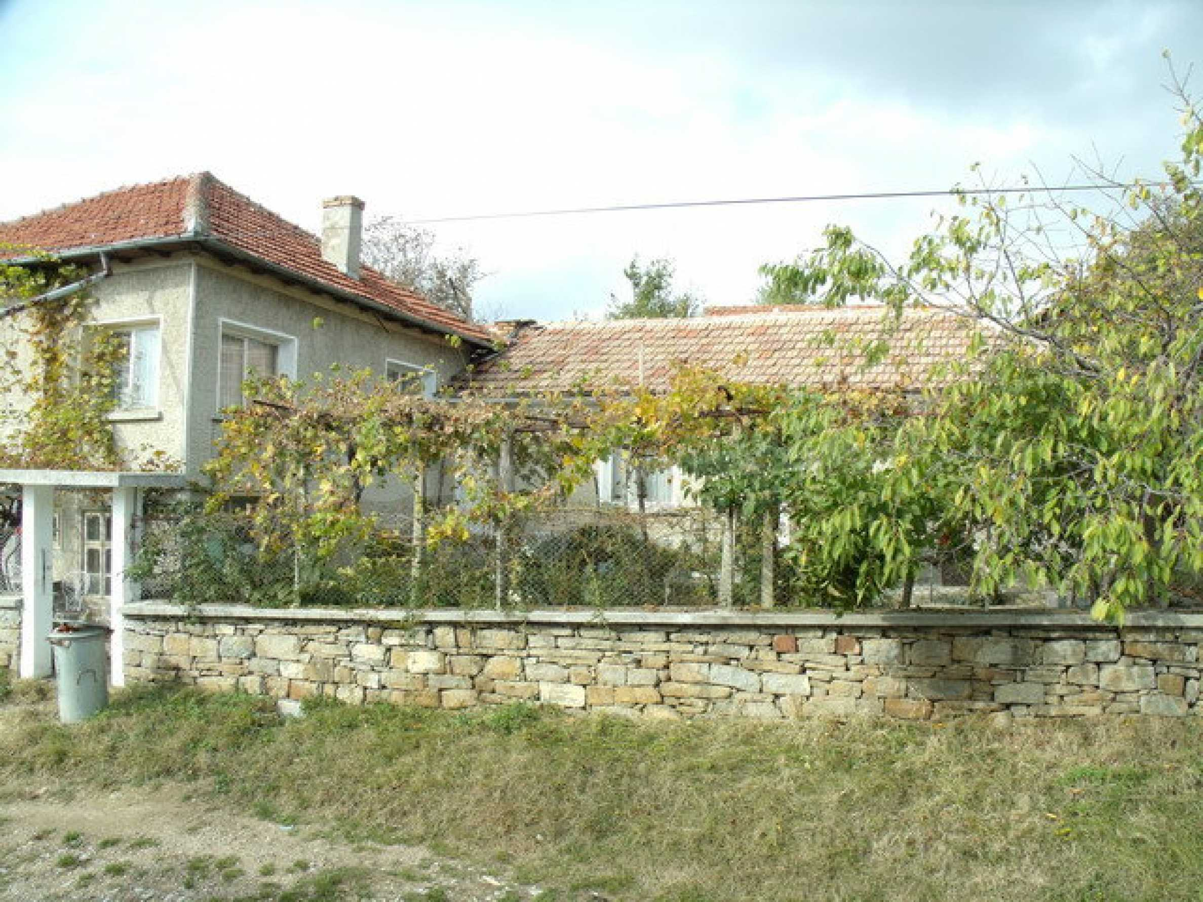 House in a small town, 15 km. from the old capital of Veliko Tarnovo 2