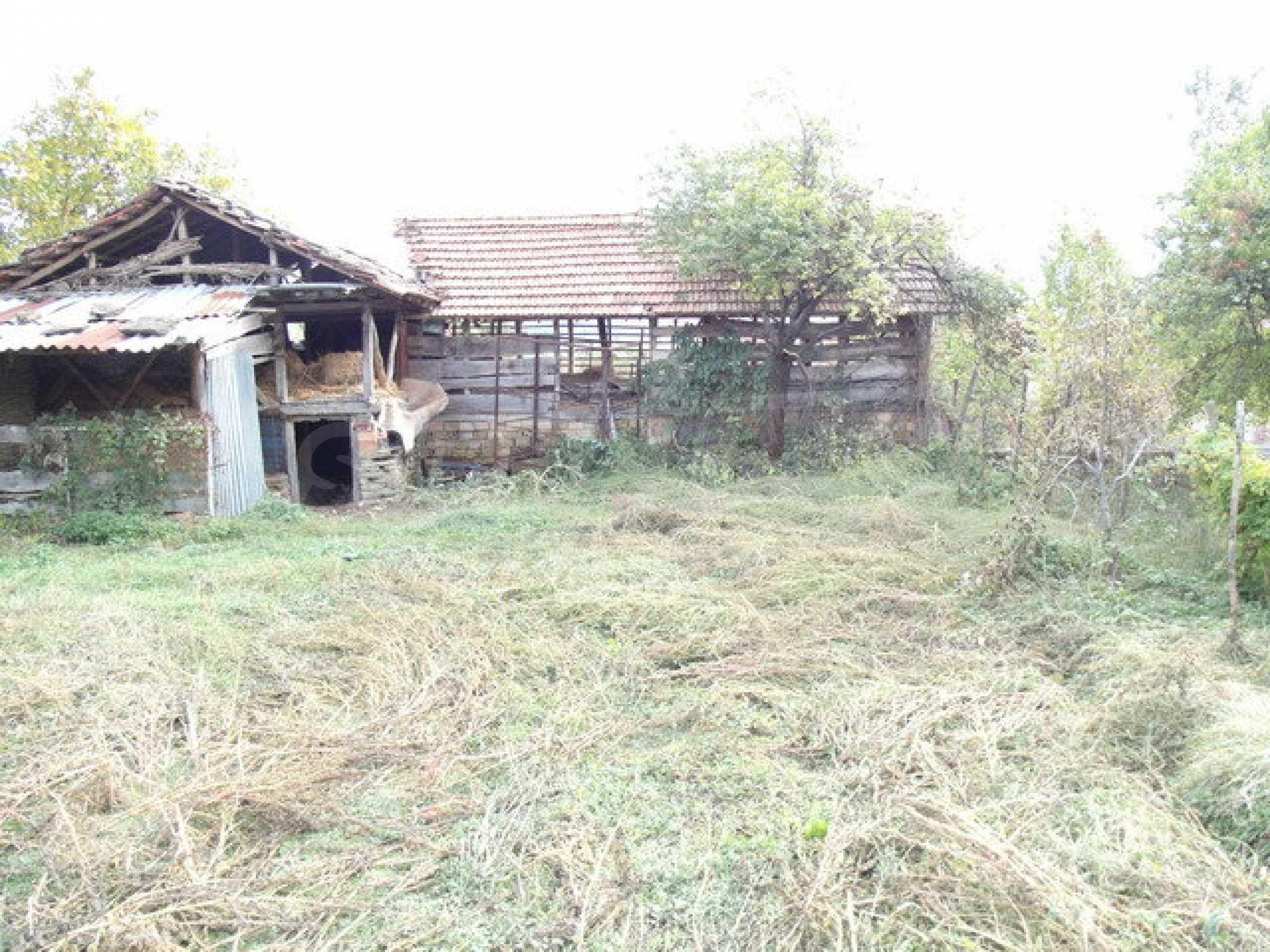 House in a small town, 15 km. from the old capital of Veliko Tarnovo 32