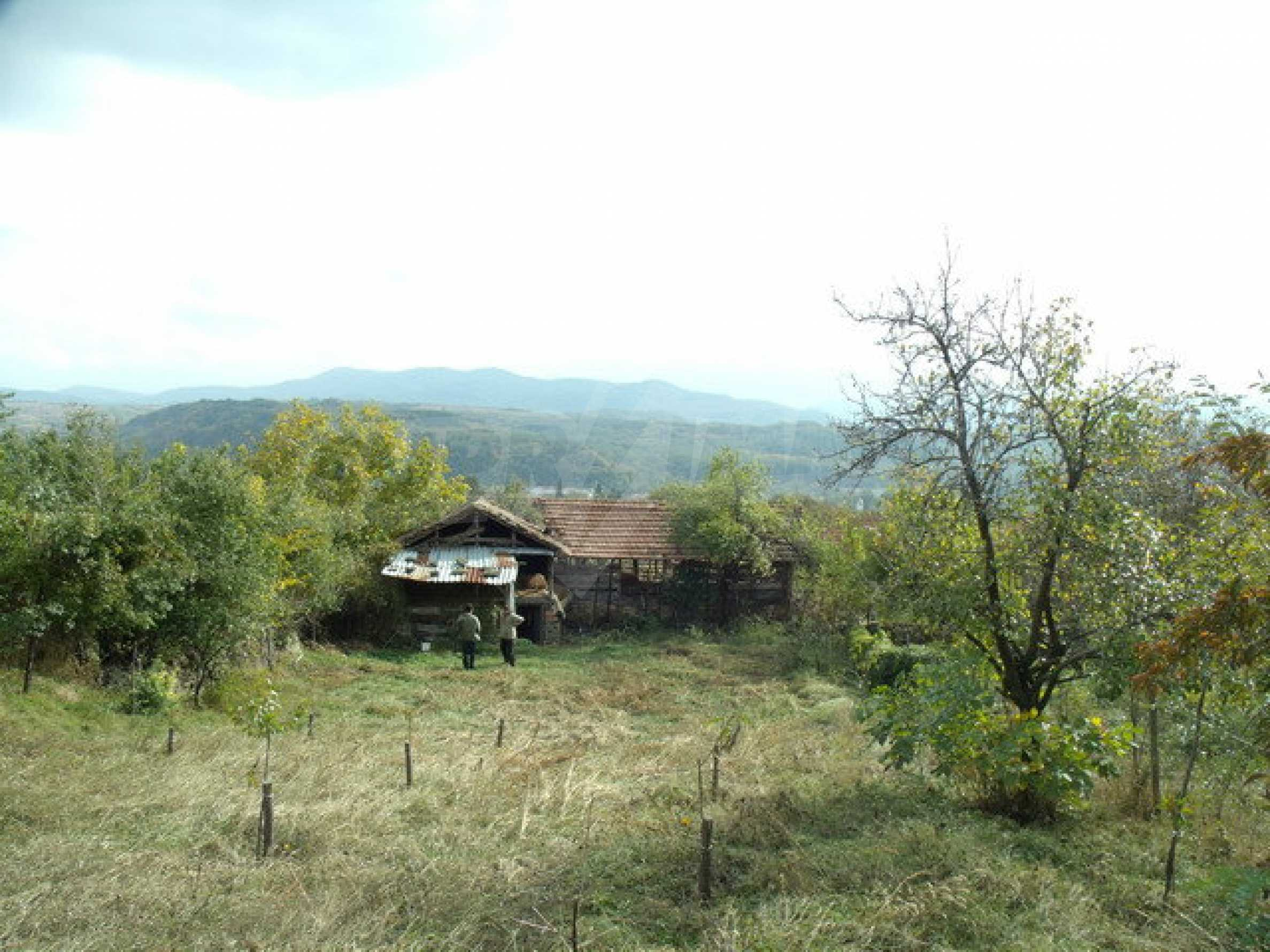 House in a small town, 15 km. from the old capital of Veliko Tarnovo 34