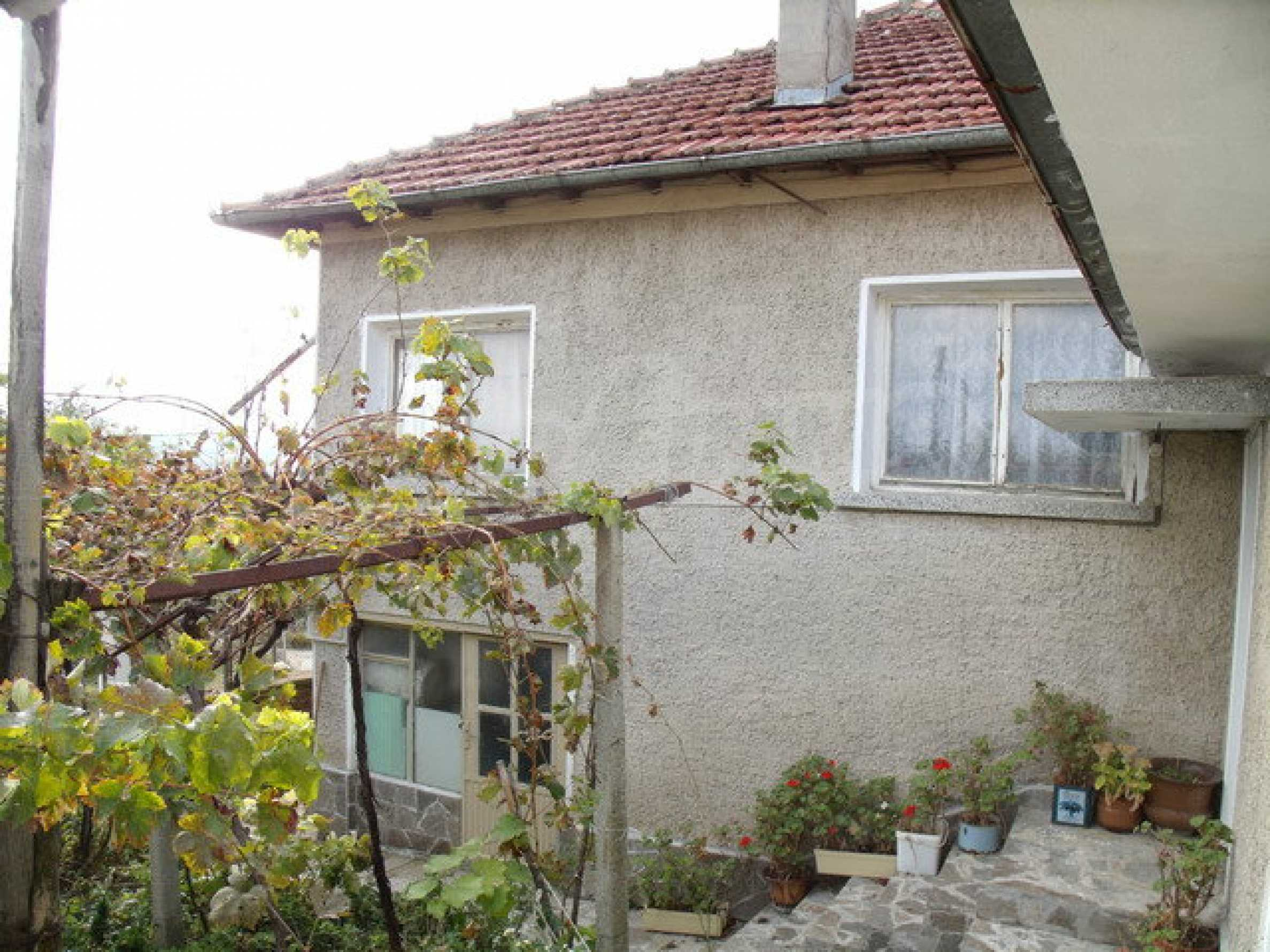 House in a small town, 15 km. from the old capital of Veliko Tarnovo 37