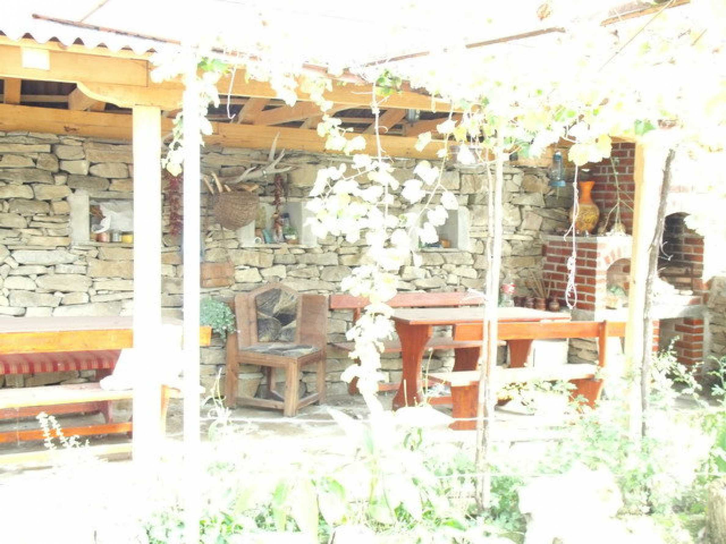 House in a small town, 15 km. from the old capital of Veliko Tarnovo 7