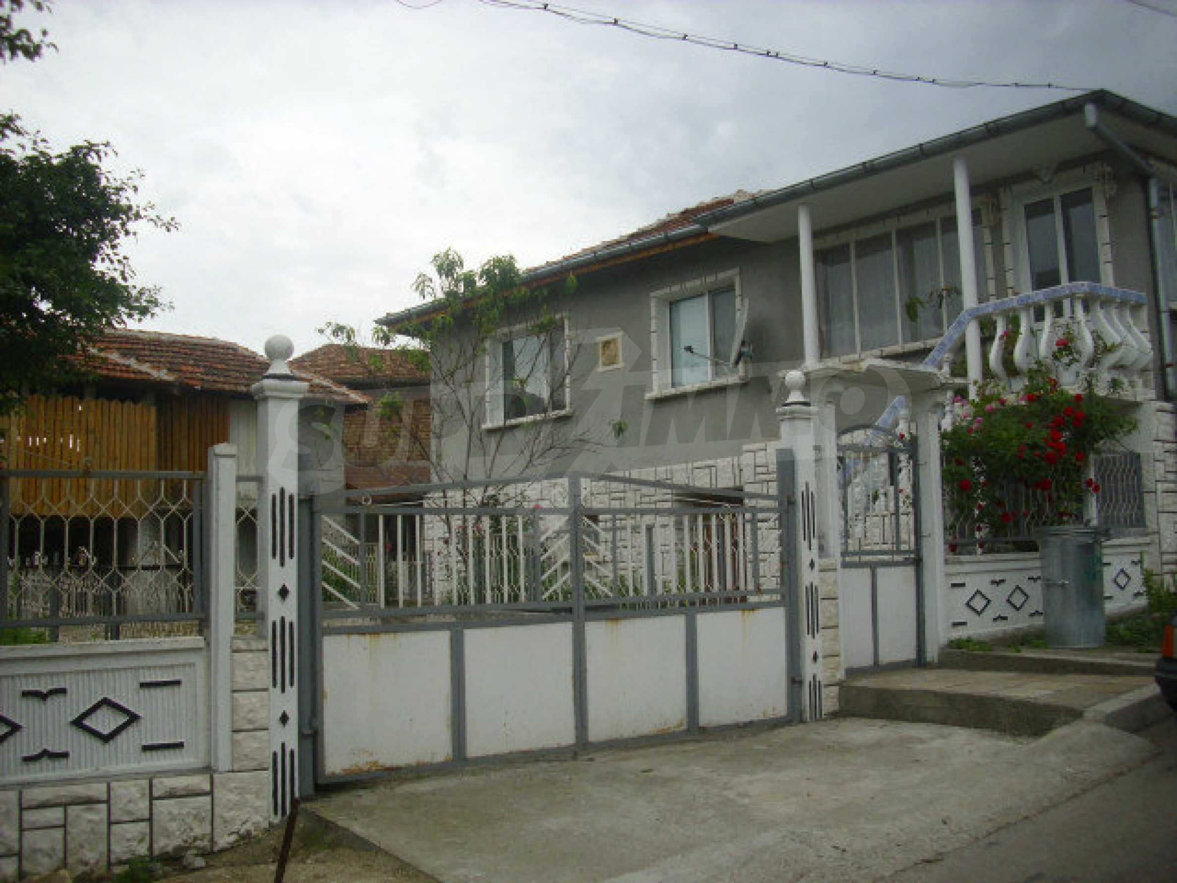 Lovely solid house in Kula 2