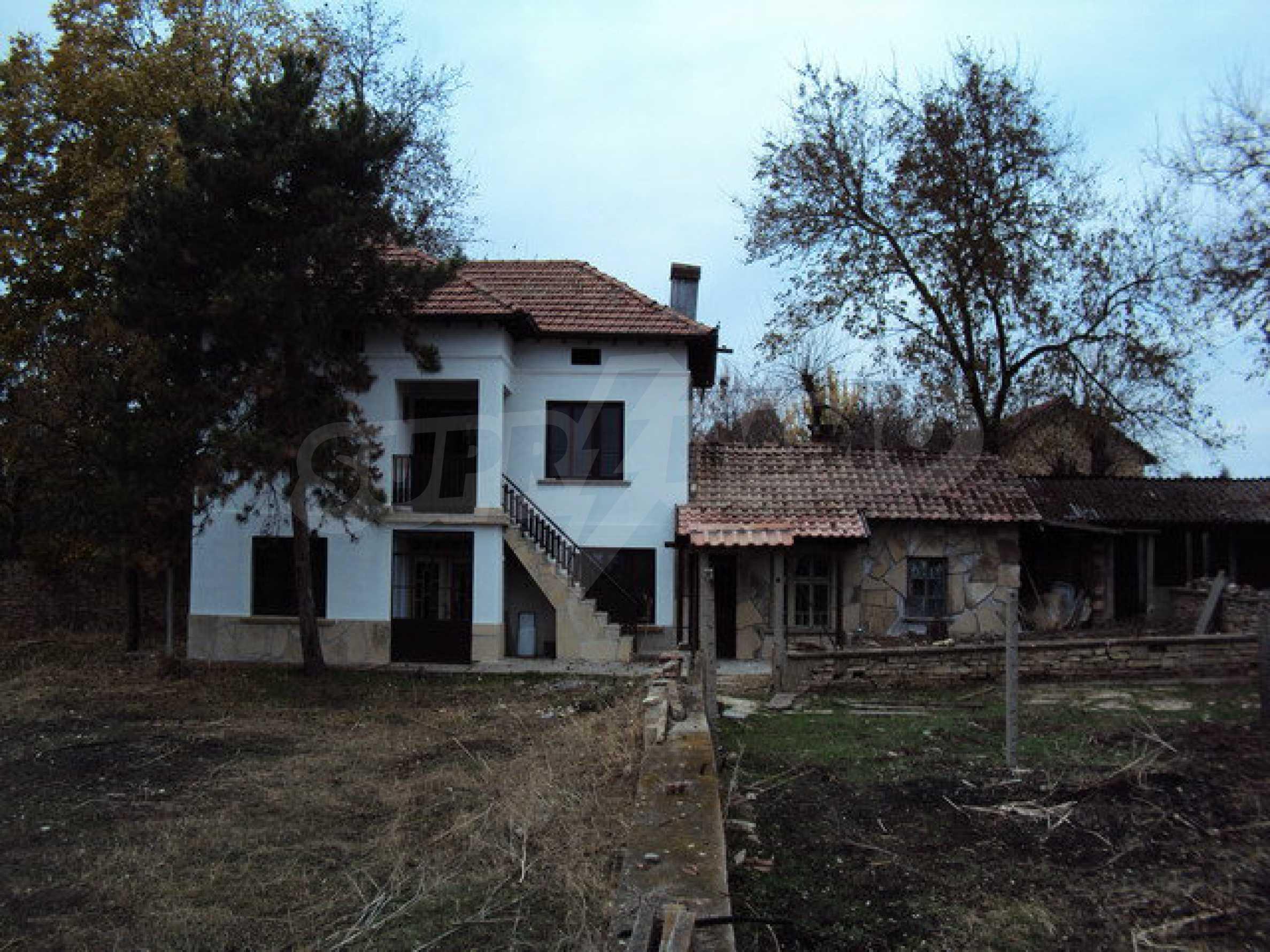 Zweistöckiges Haus 1
