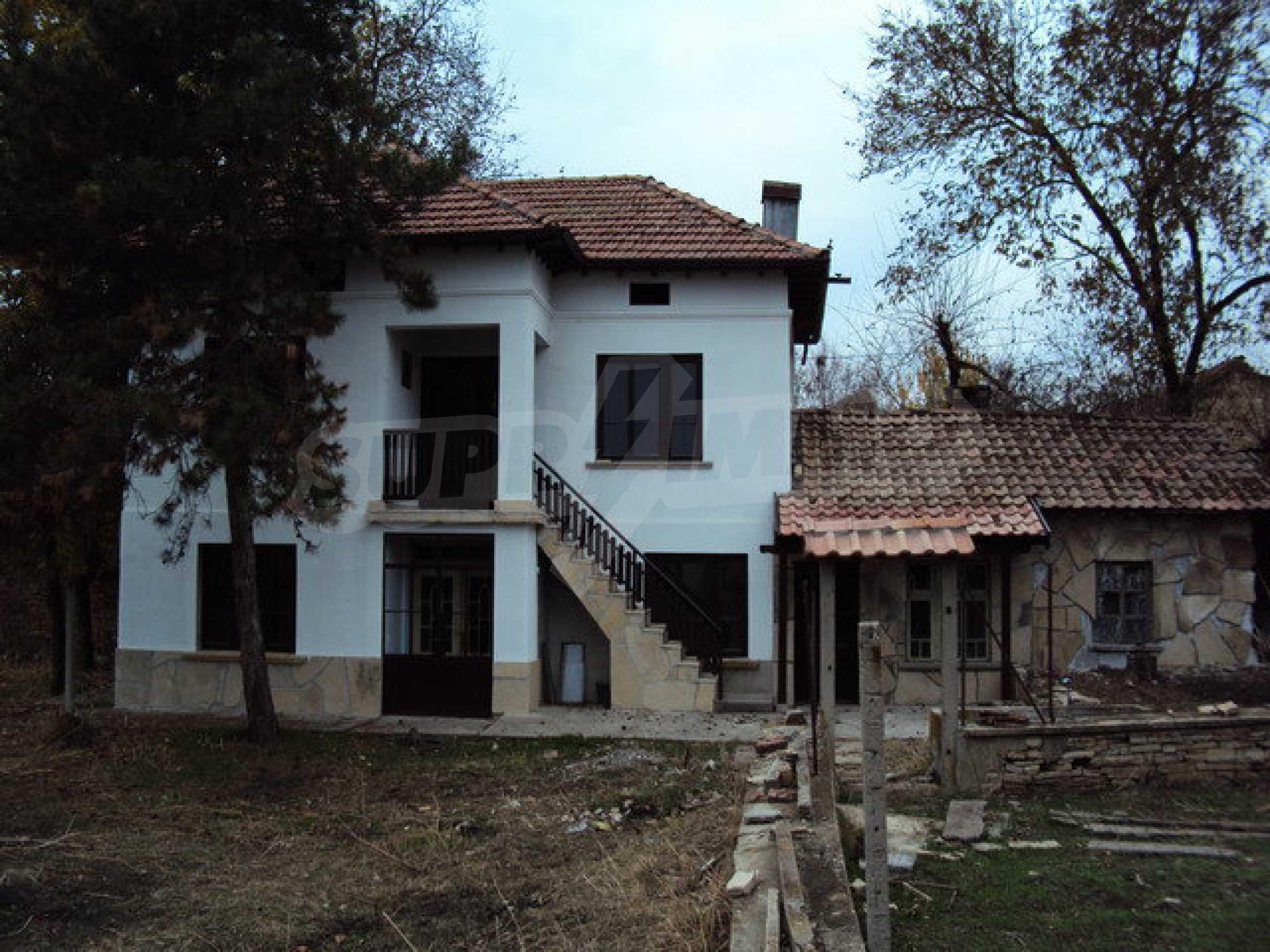 Zweistöckiges Haus 4