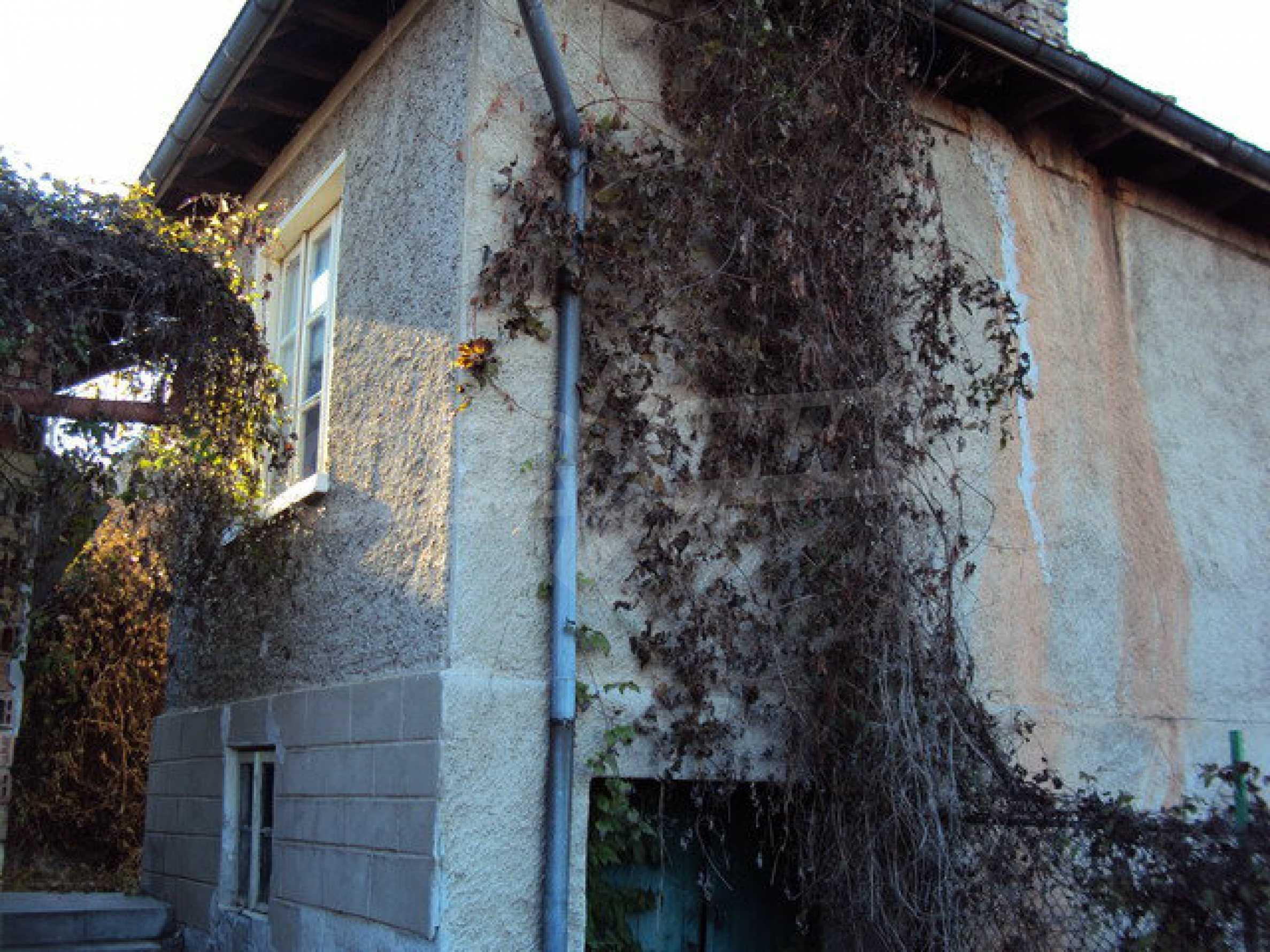 Haus mit einem Hof in der Ortschaft 25 km. von Veliko Tarnovo 1