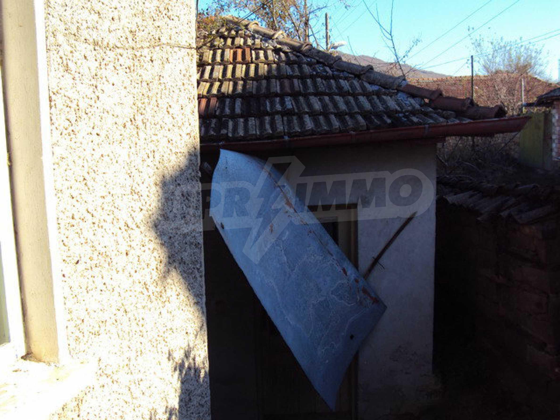 Haus mit einem Hof in der Ortschaft 25 km. von Veliko Tarnovo 23