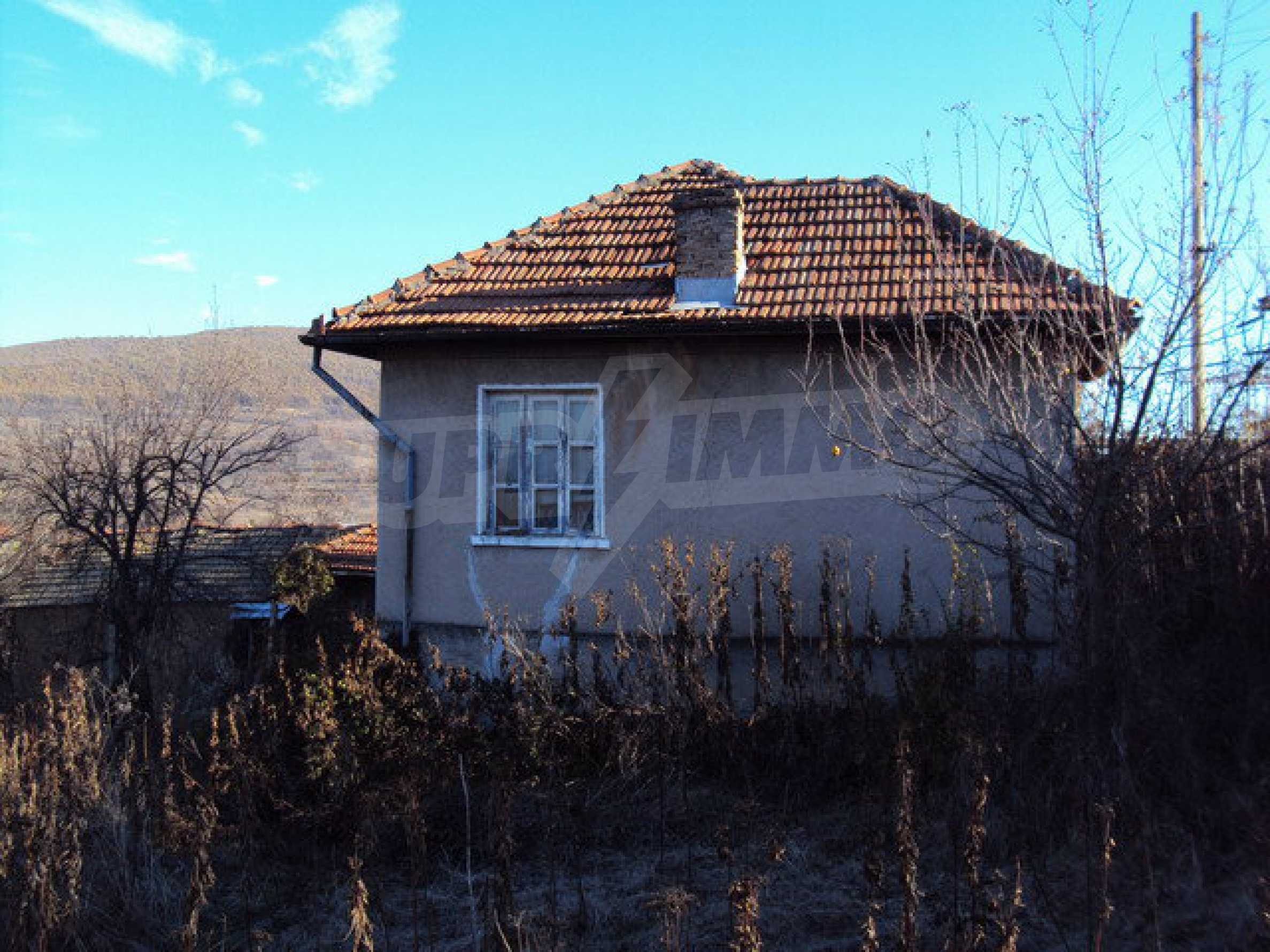 House with garden 25 km away from Veliko Tarnovo 34
