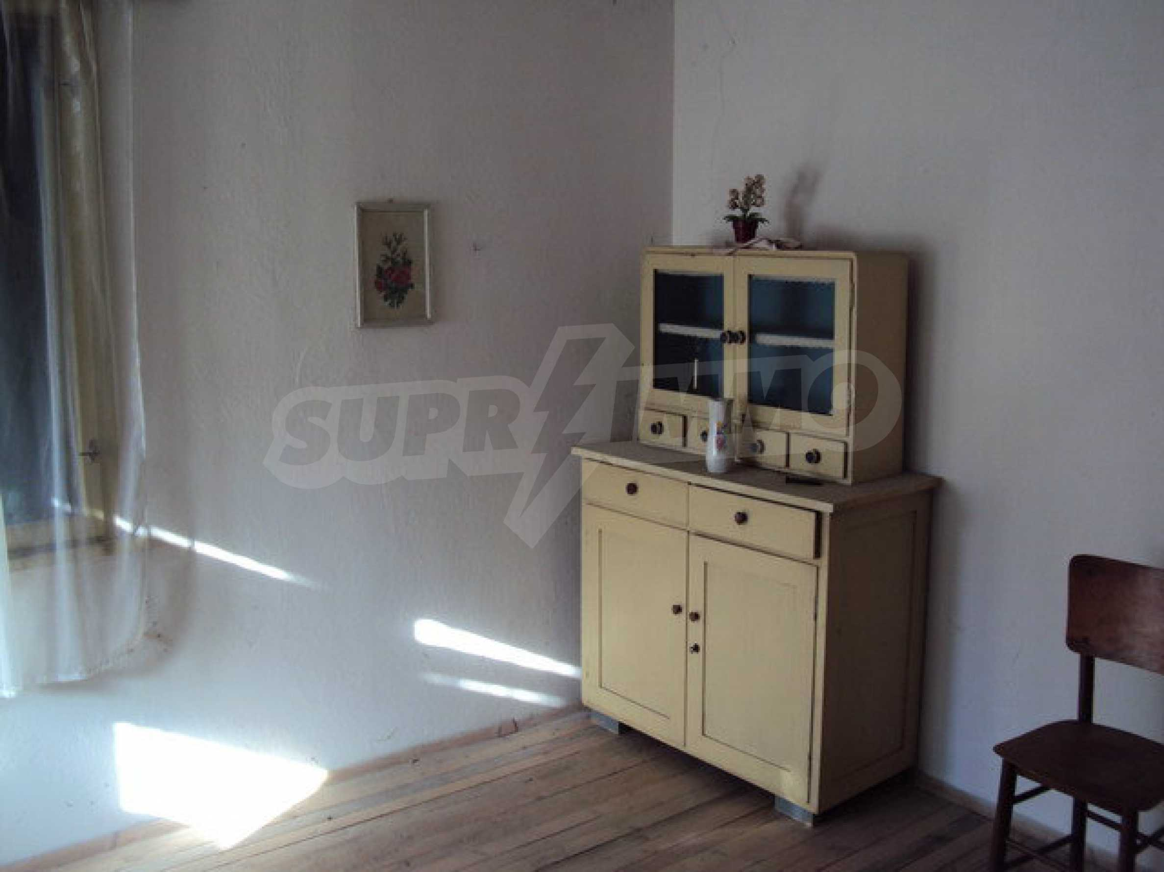 Spacious house in excellent condition in a village 25 km. the old capital of Veliko Tarnovo 35