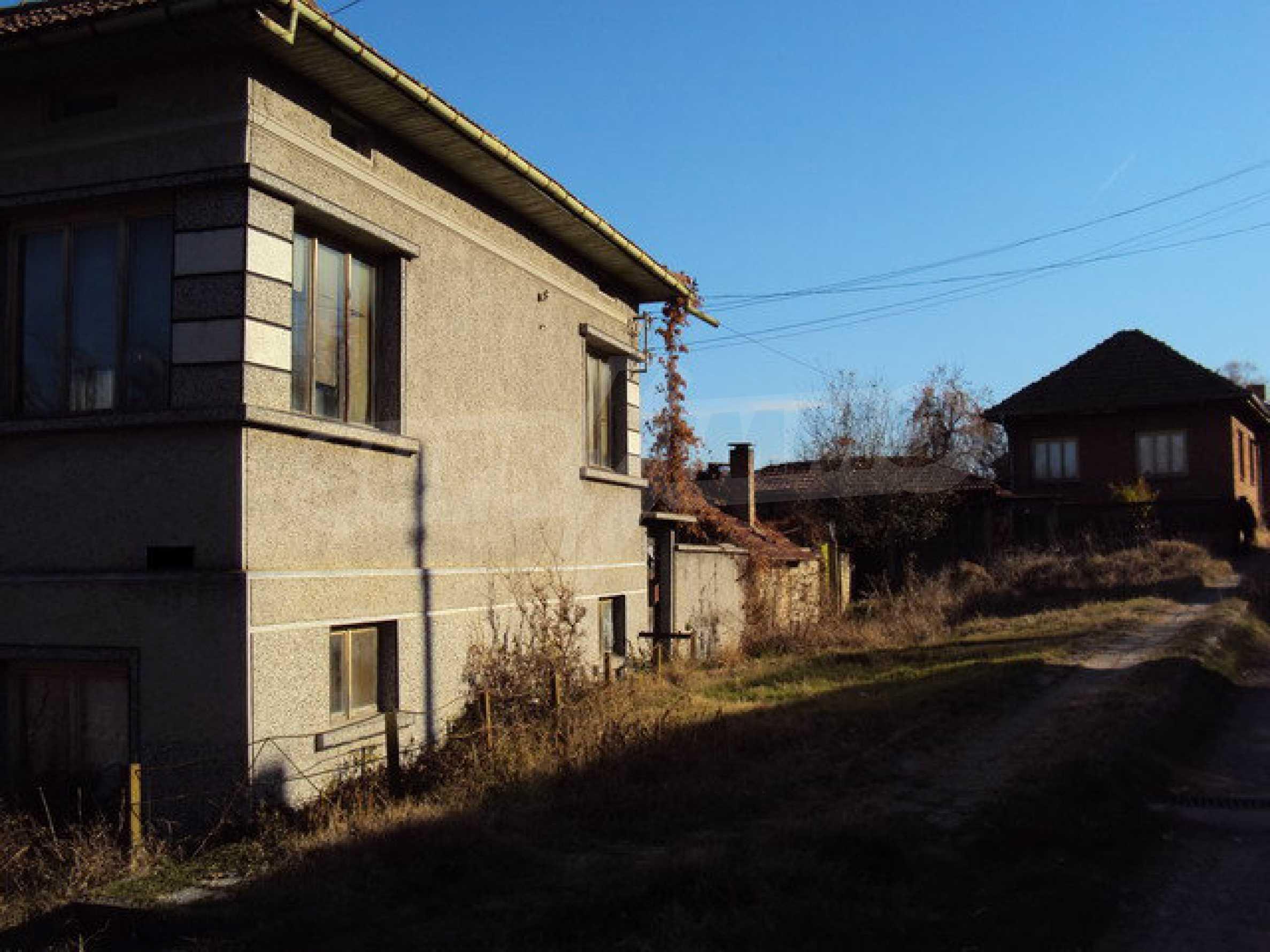 Geräumiges Haus in sehr gutem Zustand in einem Dorf 25 km von der alten Hauptstadt Veliko Tarnovo entfernt 4