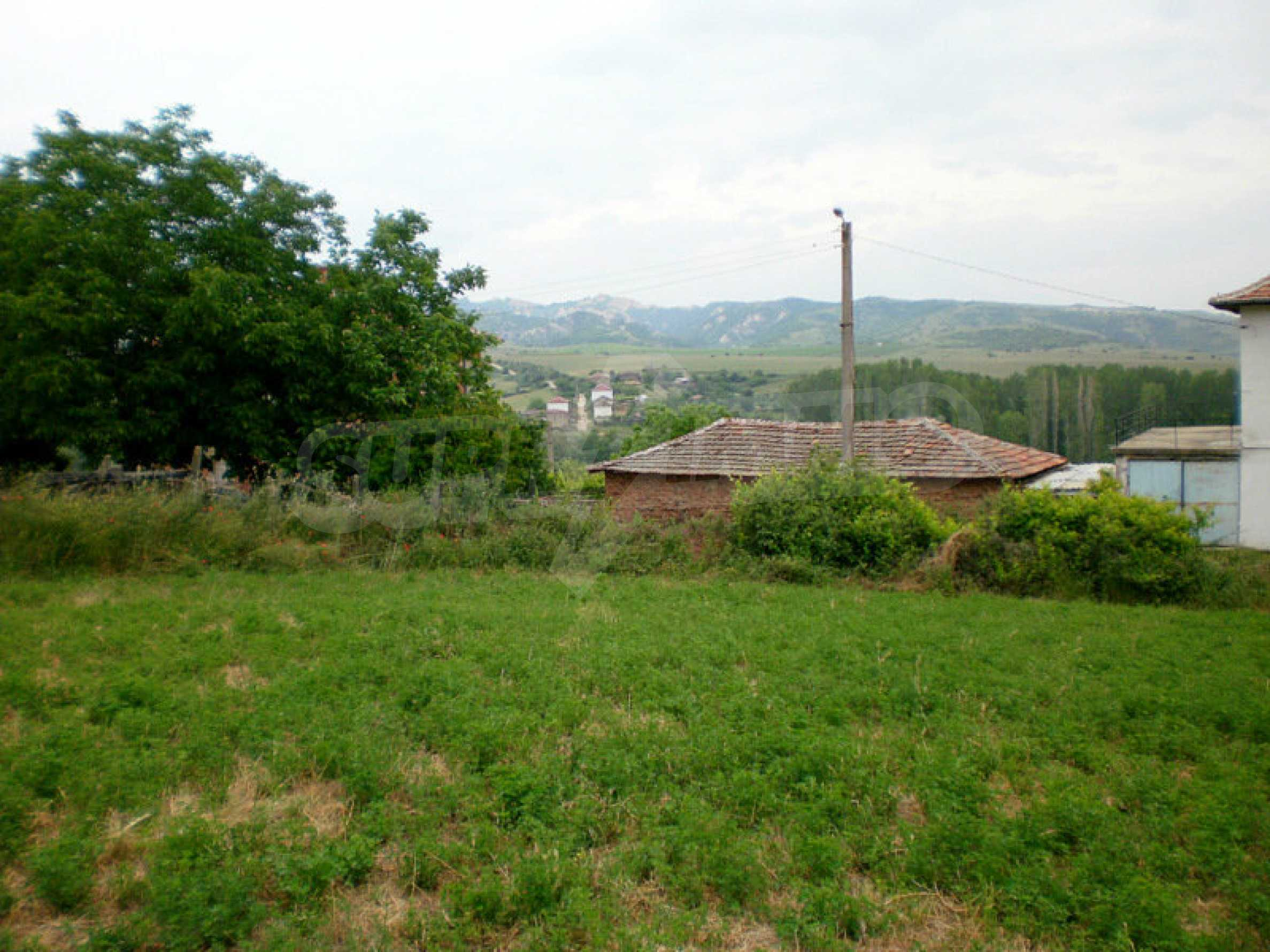 Plot with panoramic views of Melnik sand pyramids  2