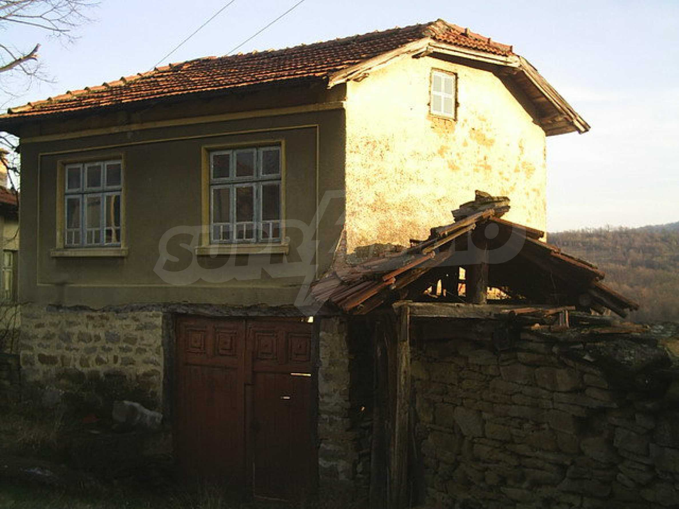 Traditional house with yard in a village close to Dryanovo  16