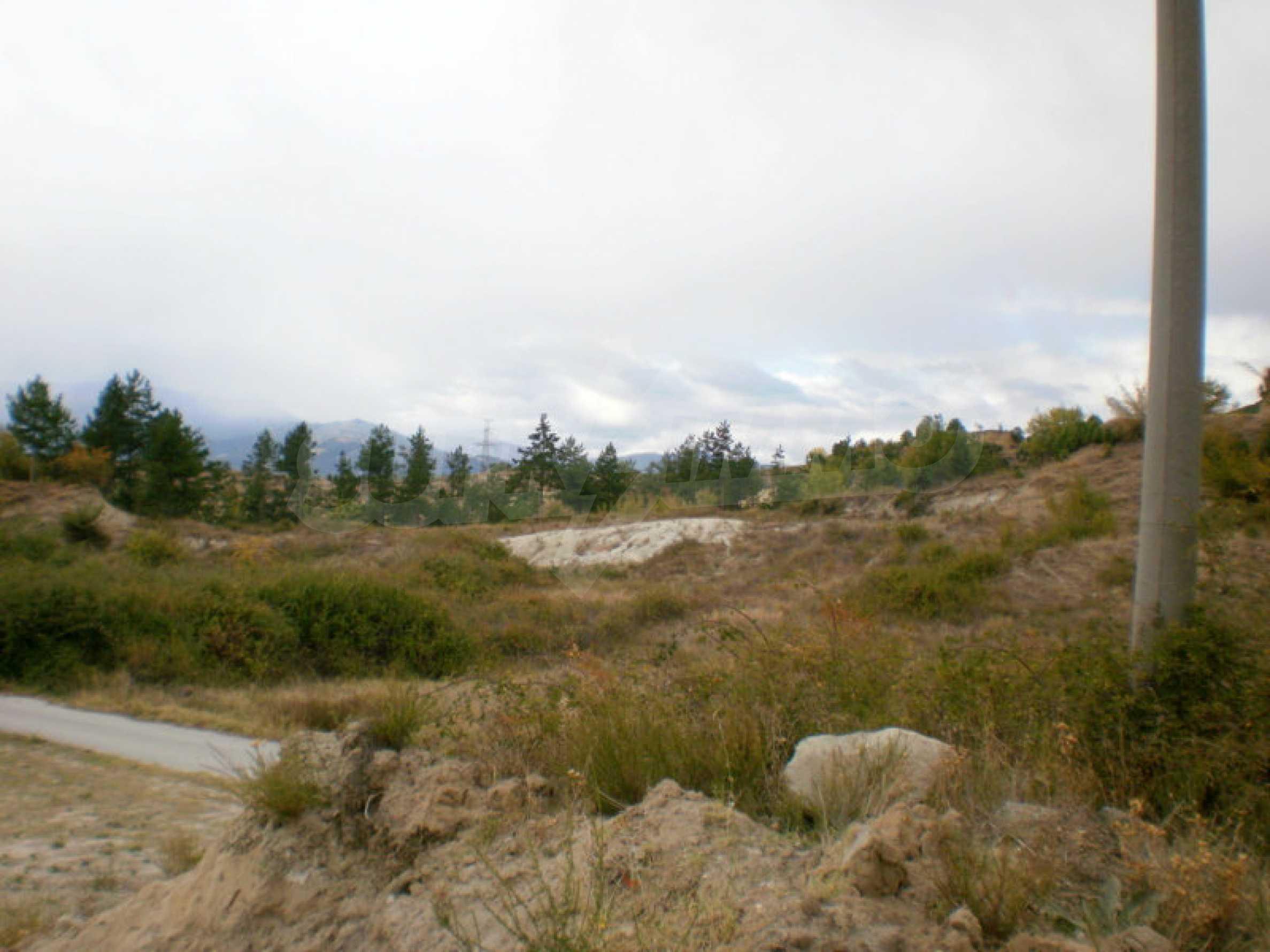 Plot next to Gradeshki mineral springs 4