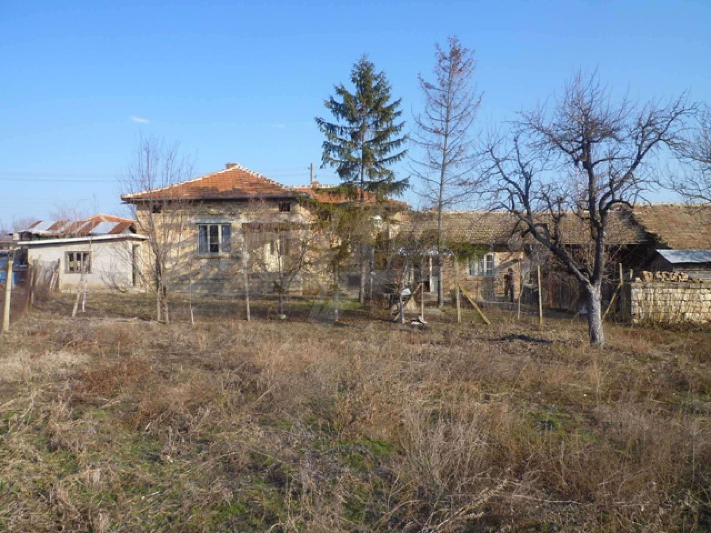 Дом в с. Млада Гвардия 10