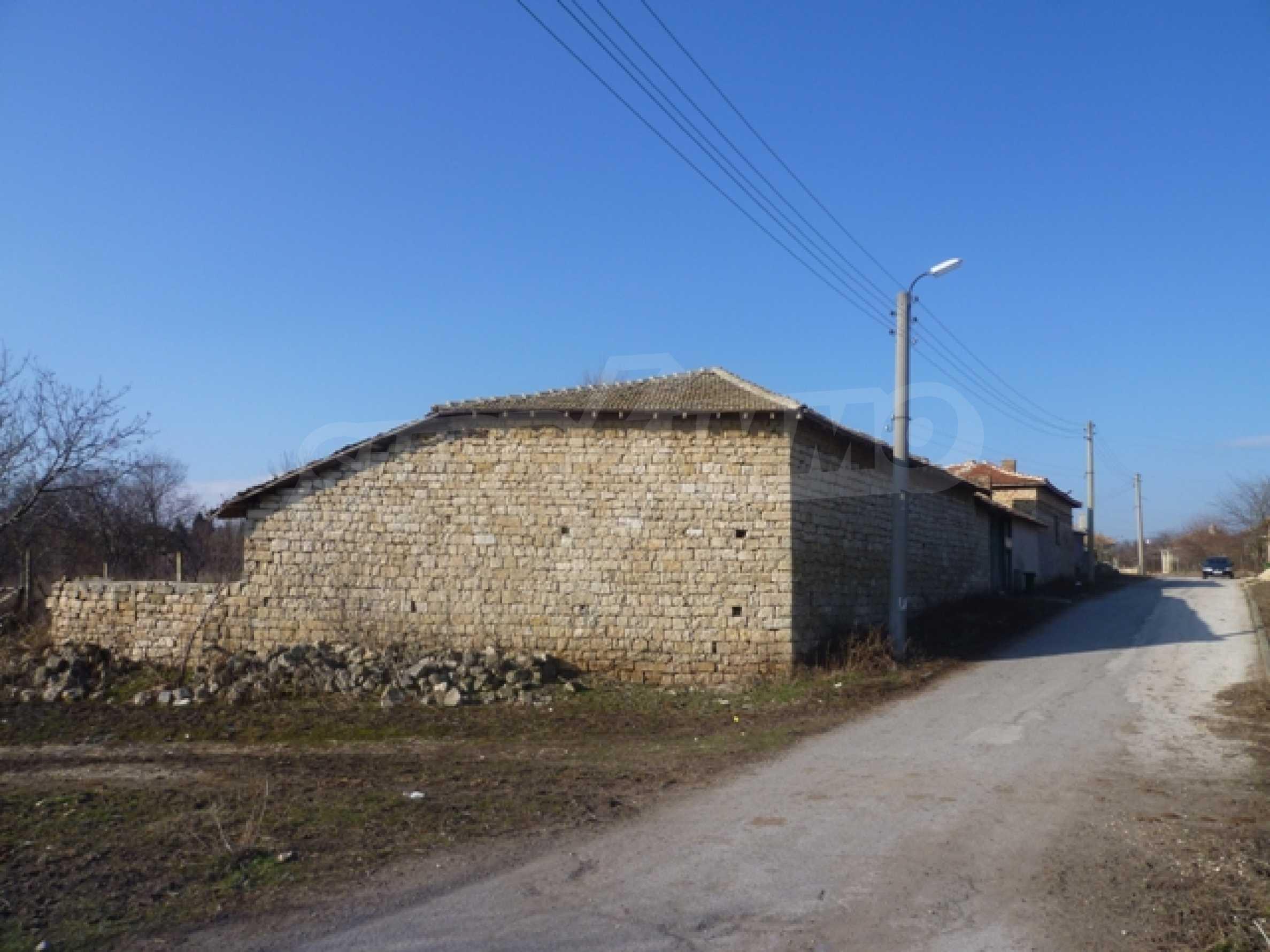 Дом в с. Млада Гвардия 16