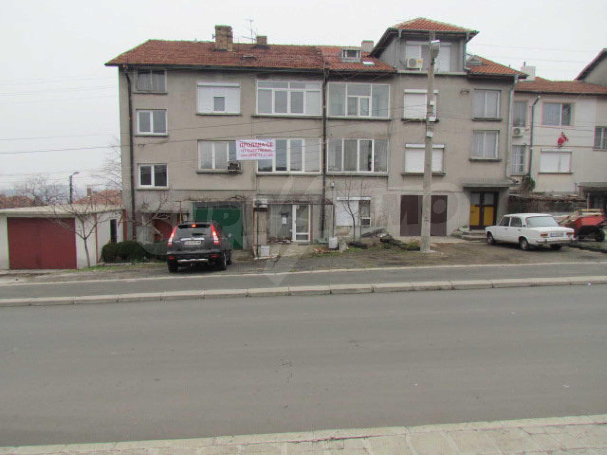 Zweistöckiges Stadthaus in der Nähe des Meeres 1