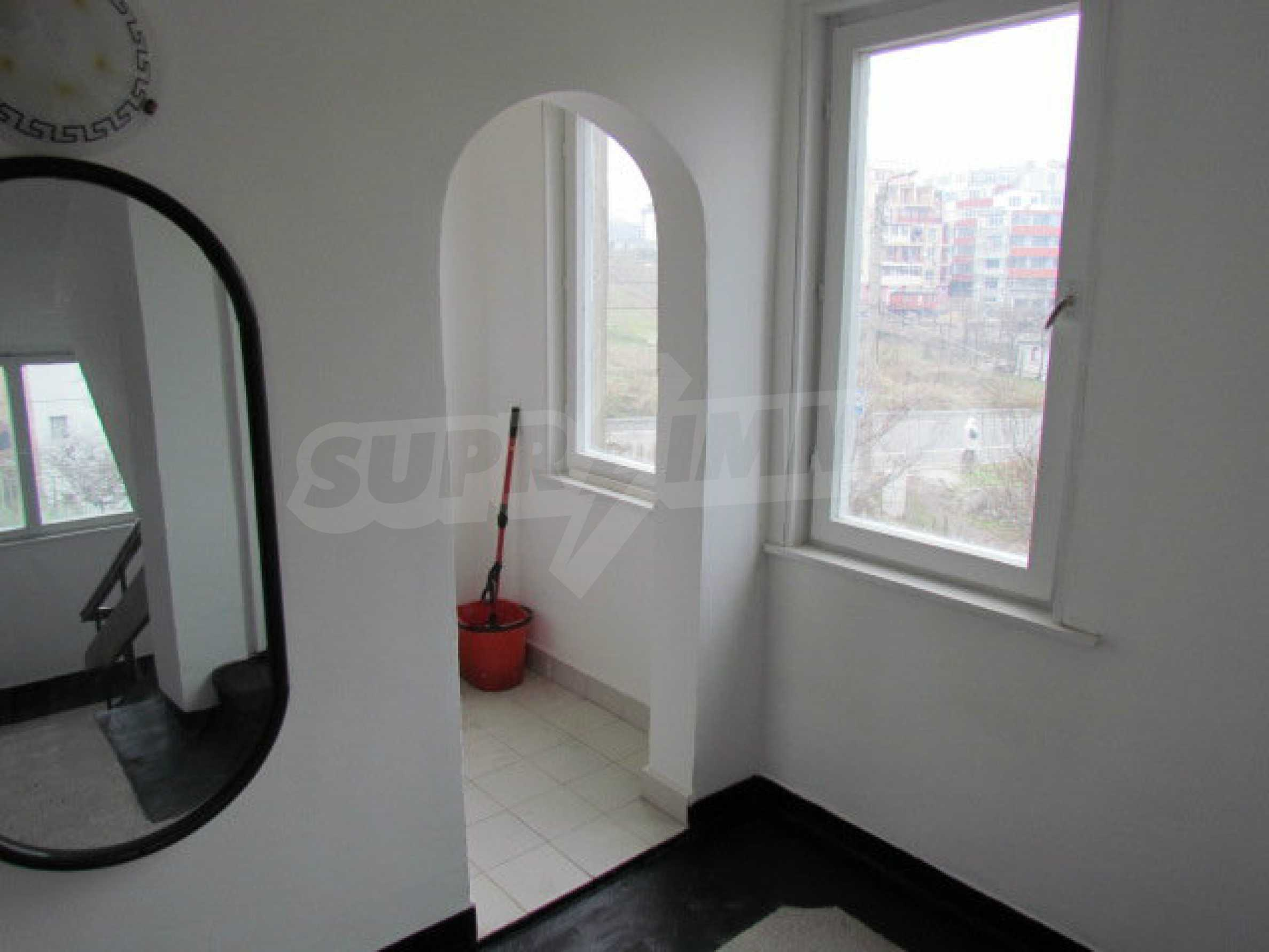 Two-storey town house near the sea  6