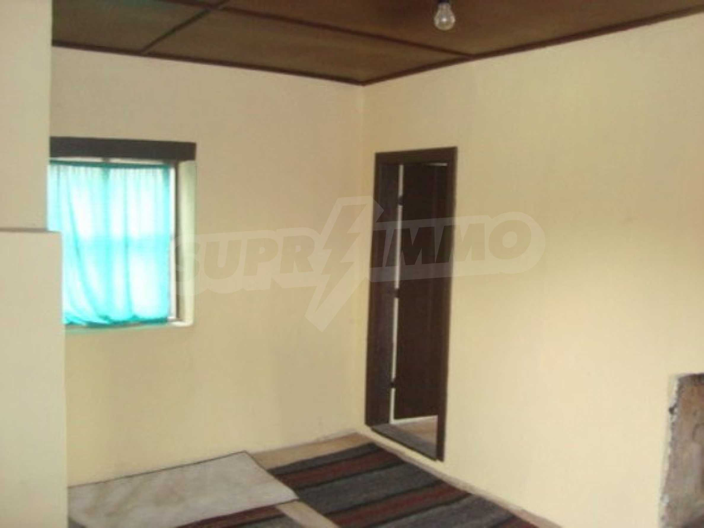 Two-storey house for sale in the village of Dolna Lipnitsa 7