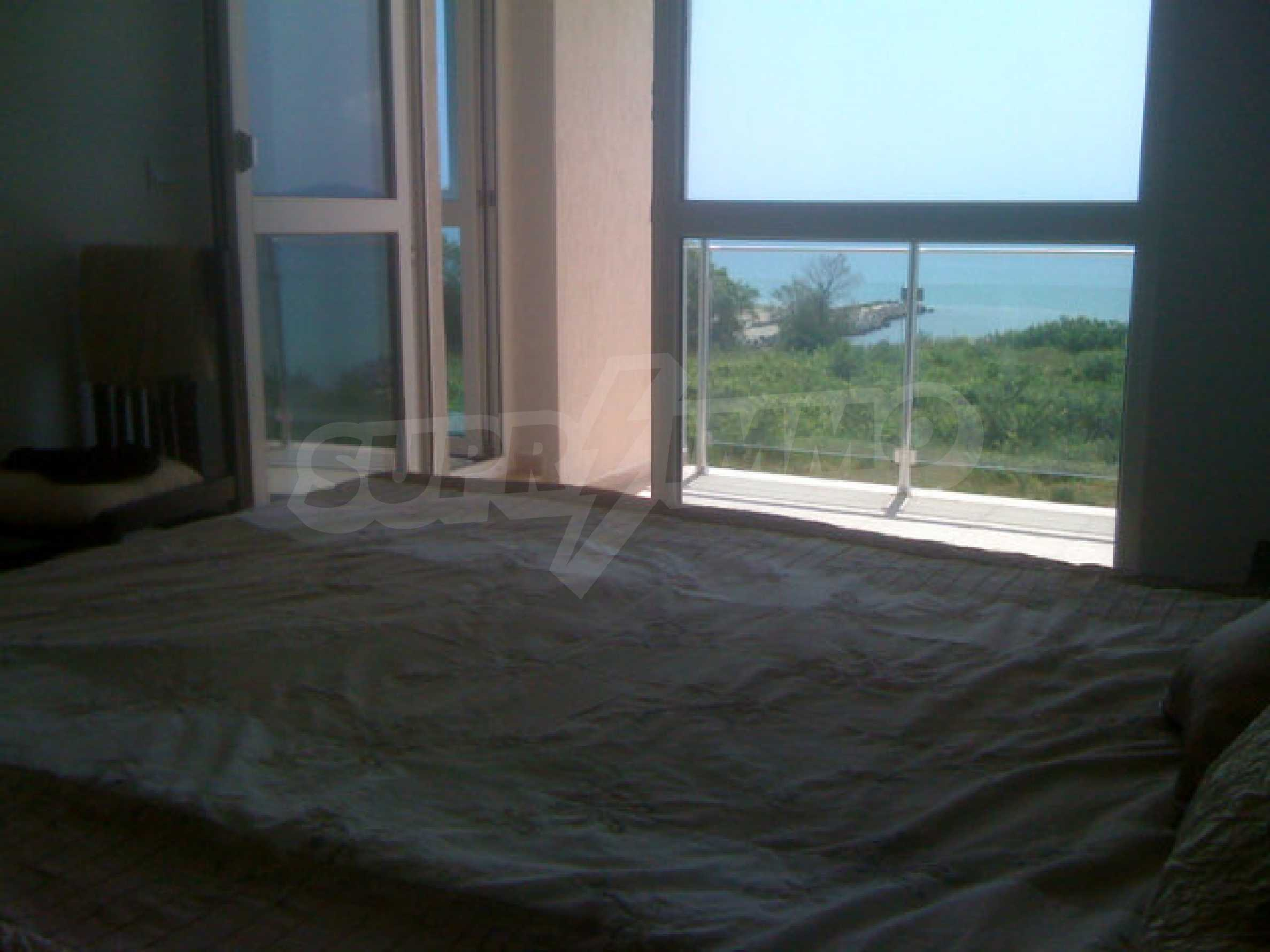 Fully furnished studio on the sea 17