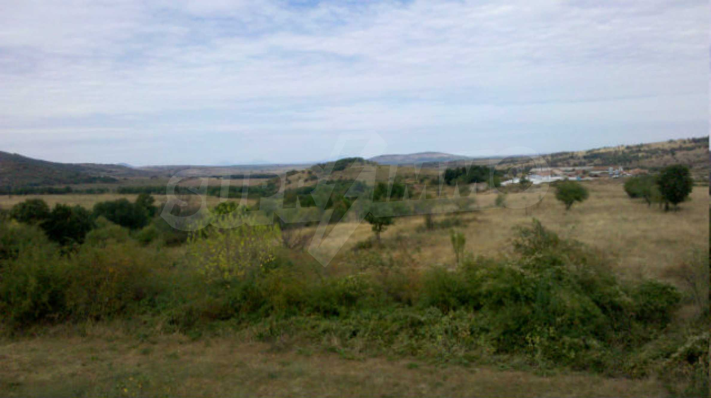 Plot of land 5 km from Belogradchik 10