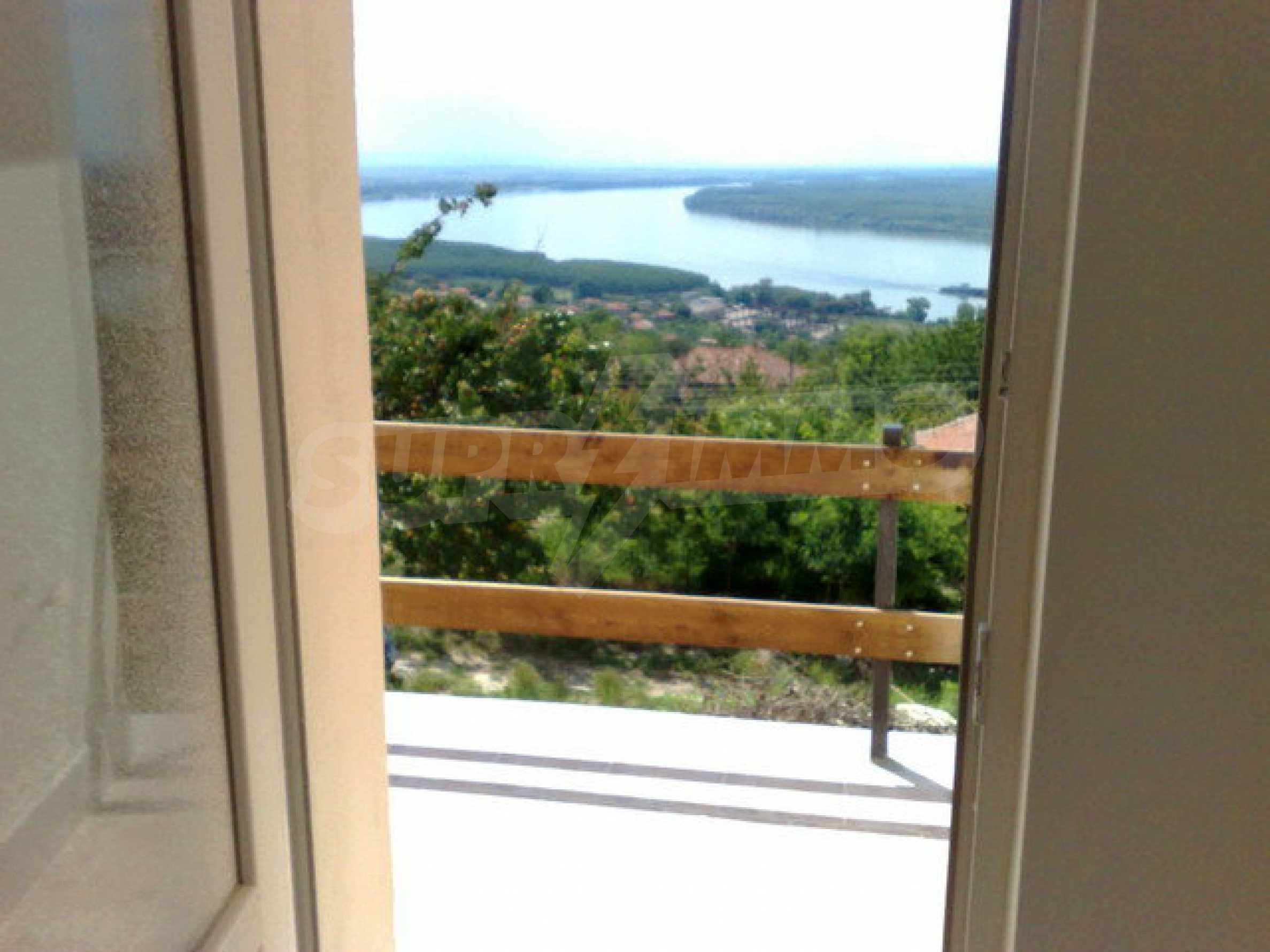 Fully renovated house with large garden and views of the Danube 13