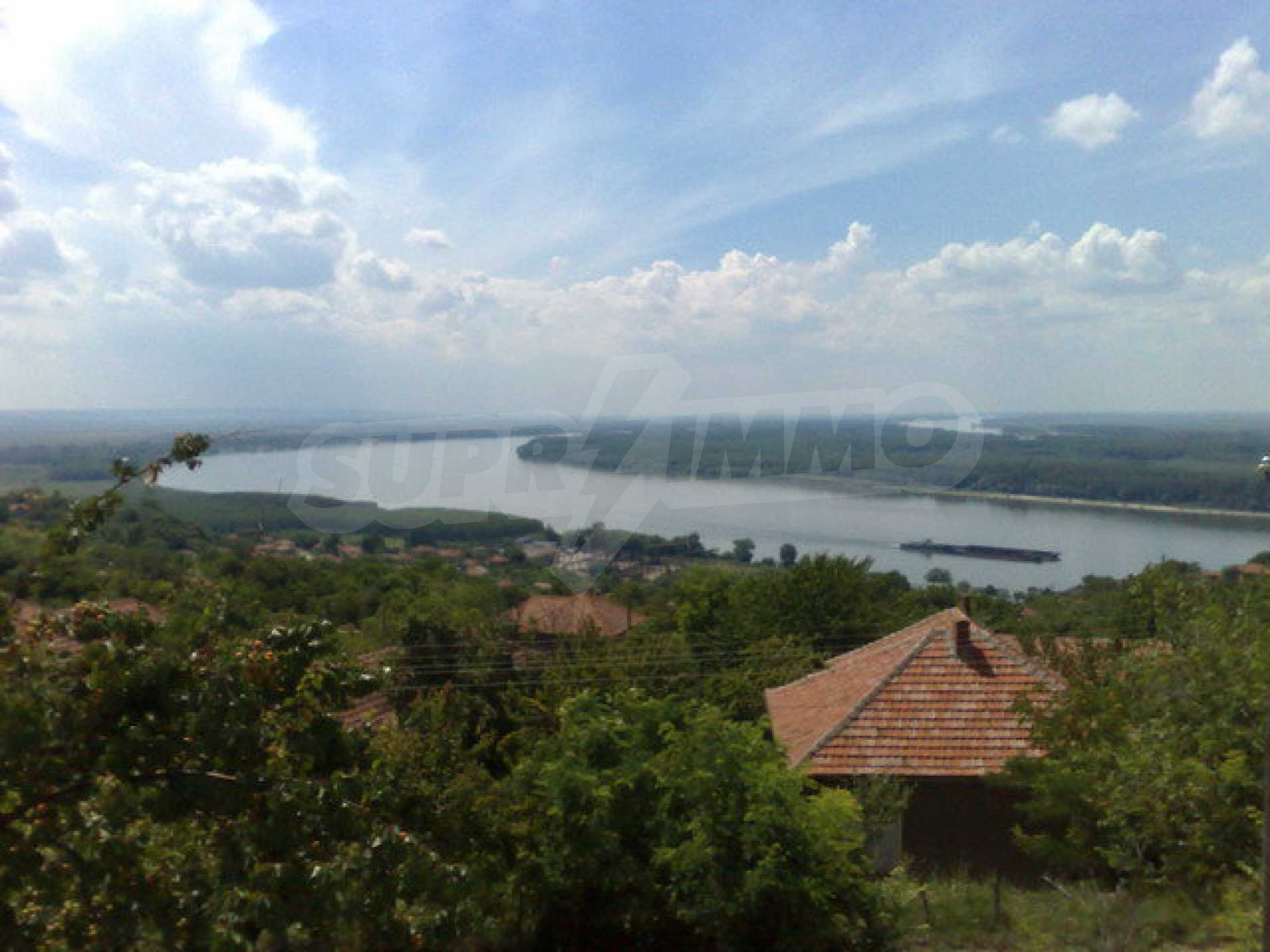 Fully renovated house with large garden and views of the Danube 17