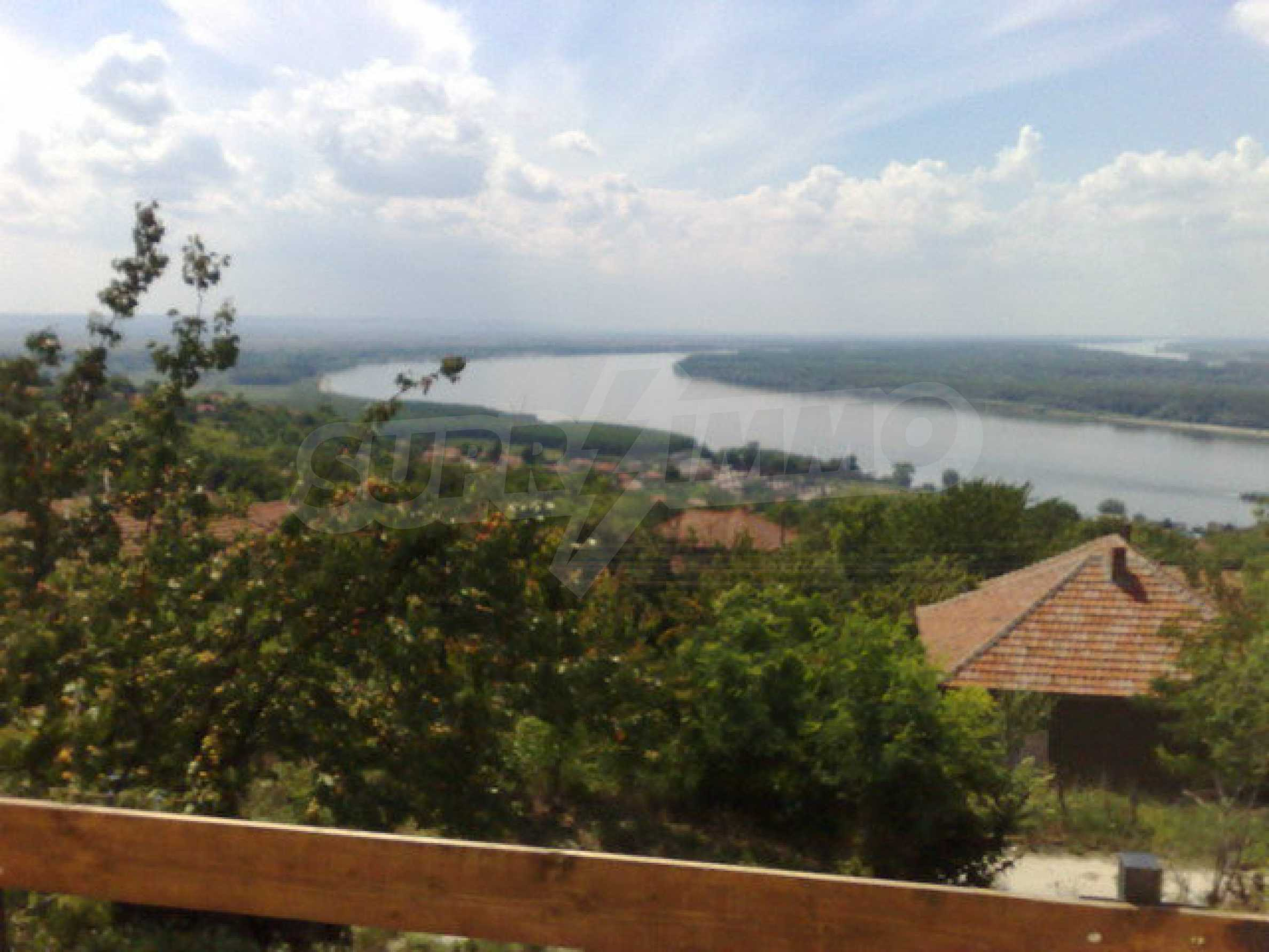 Fully renovated house with large garden and views of the Danube 18