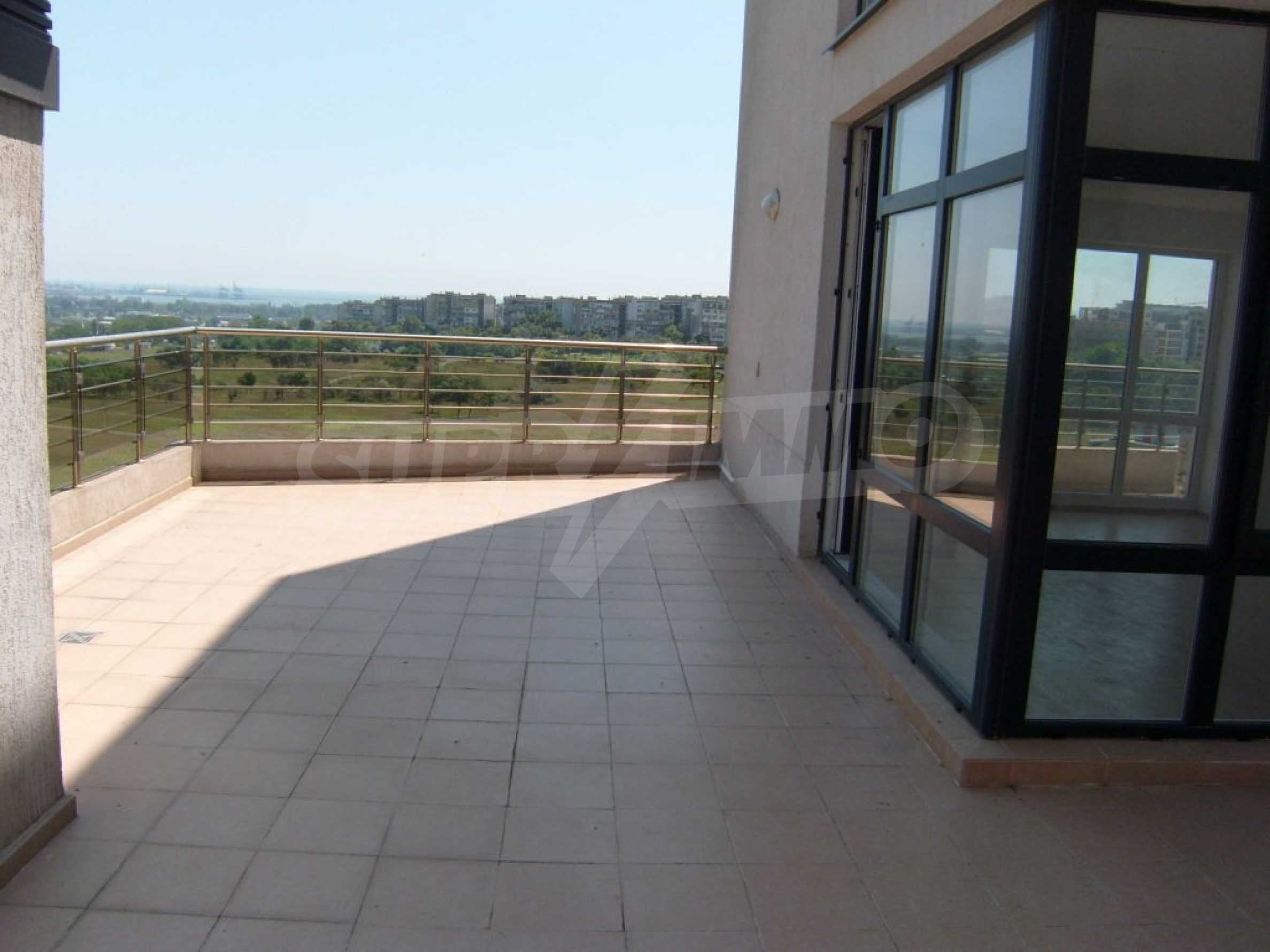 Sunny Hill - luxury residential complex in Burgas 17