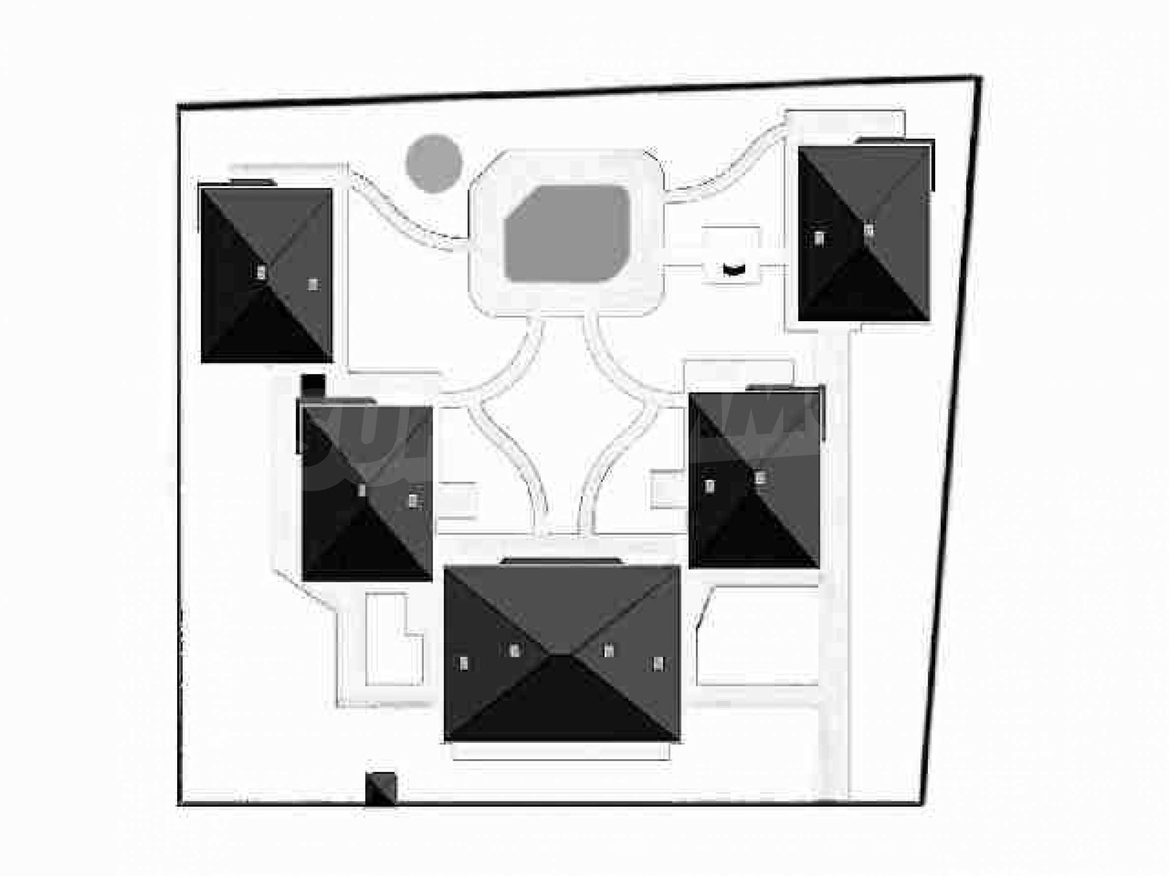 Grundstück in erster Linie in Topola 10