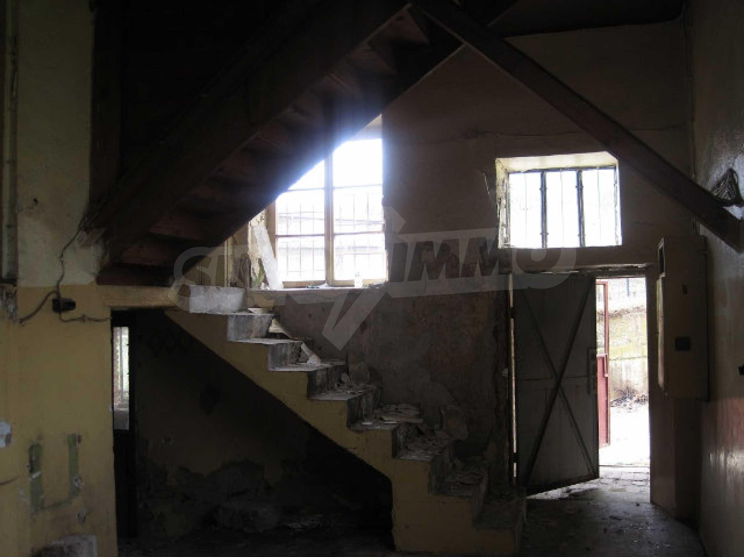 Zweistöckiges Haus in der Nähe von Smolyan 10