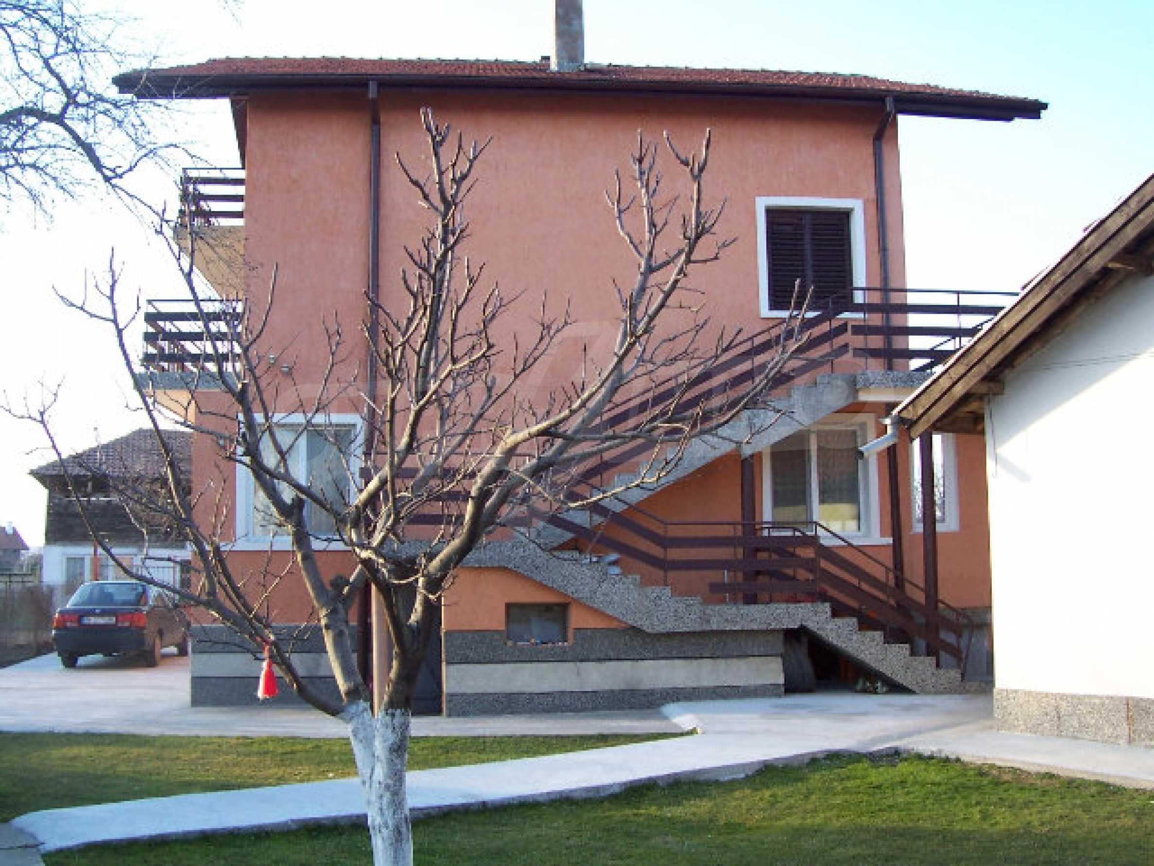 Zweistöckiges Haus in der Nähe von Vidin 1