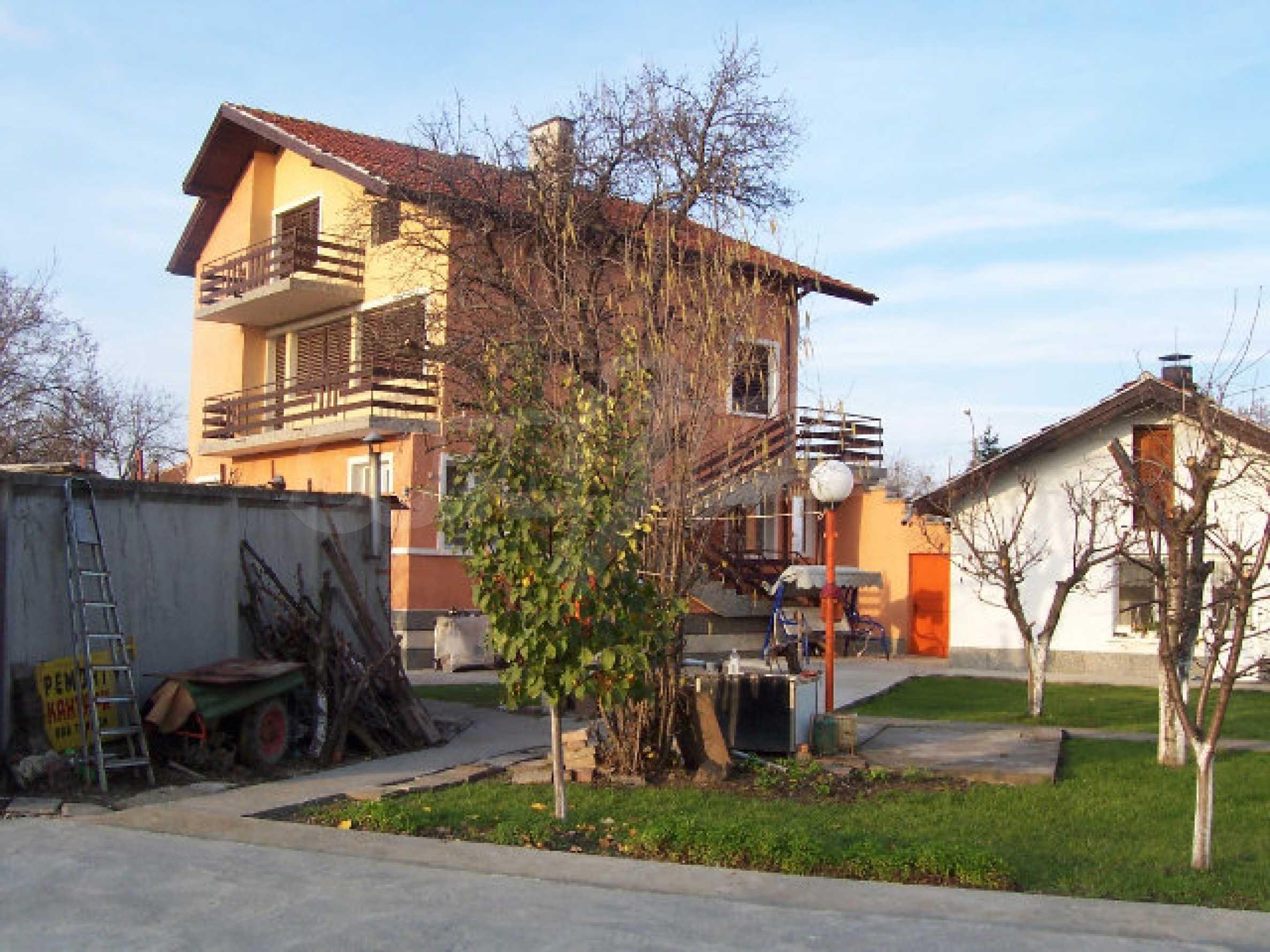 Zweistöckiges Haus in der Nähe von Vidin 26