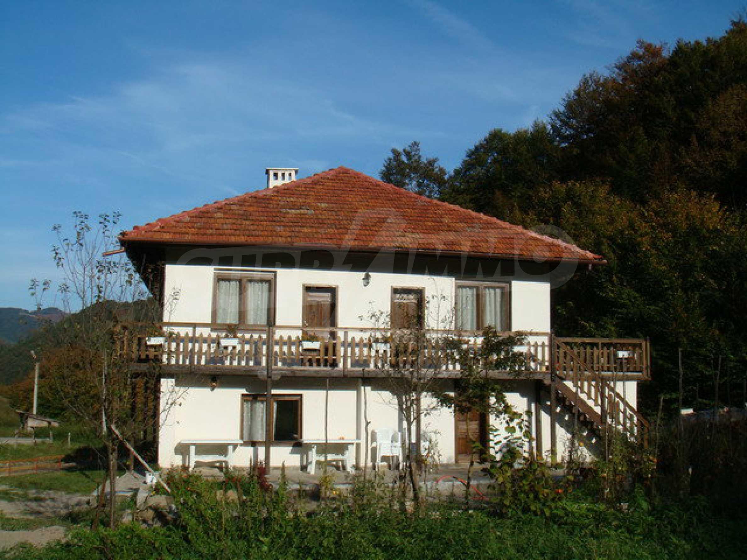 Geräumiges, voll möbliertes und ausgestattetes zweistöckiges Haus in Ribaritsa 9